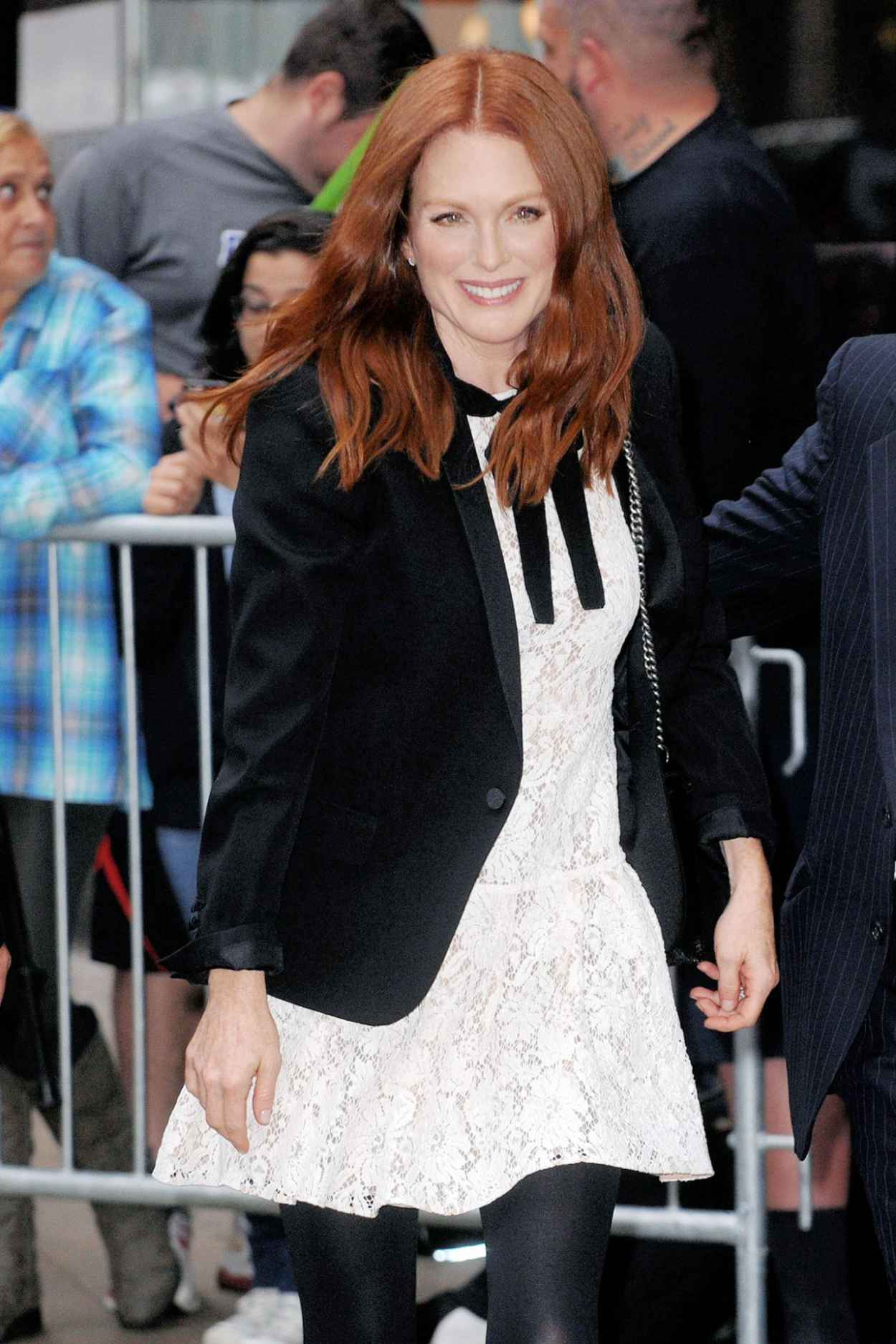 Julianne Moore at Good Morning America in New York City, September 2015-5
