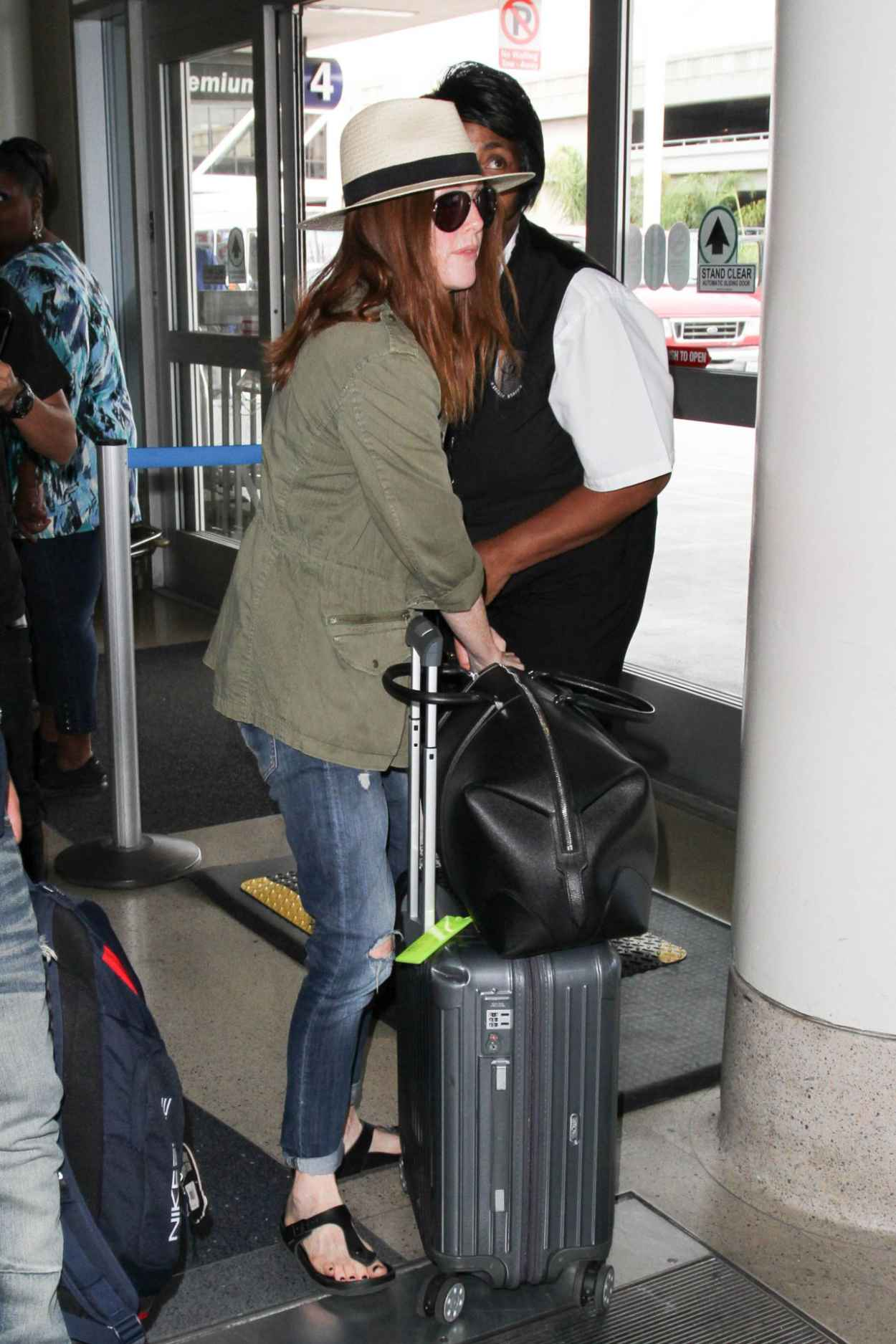 Julianne Moore at LAX AIrport, September 2015-4