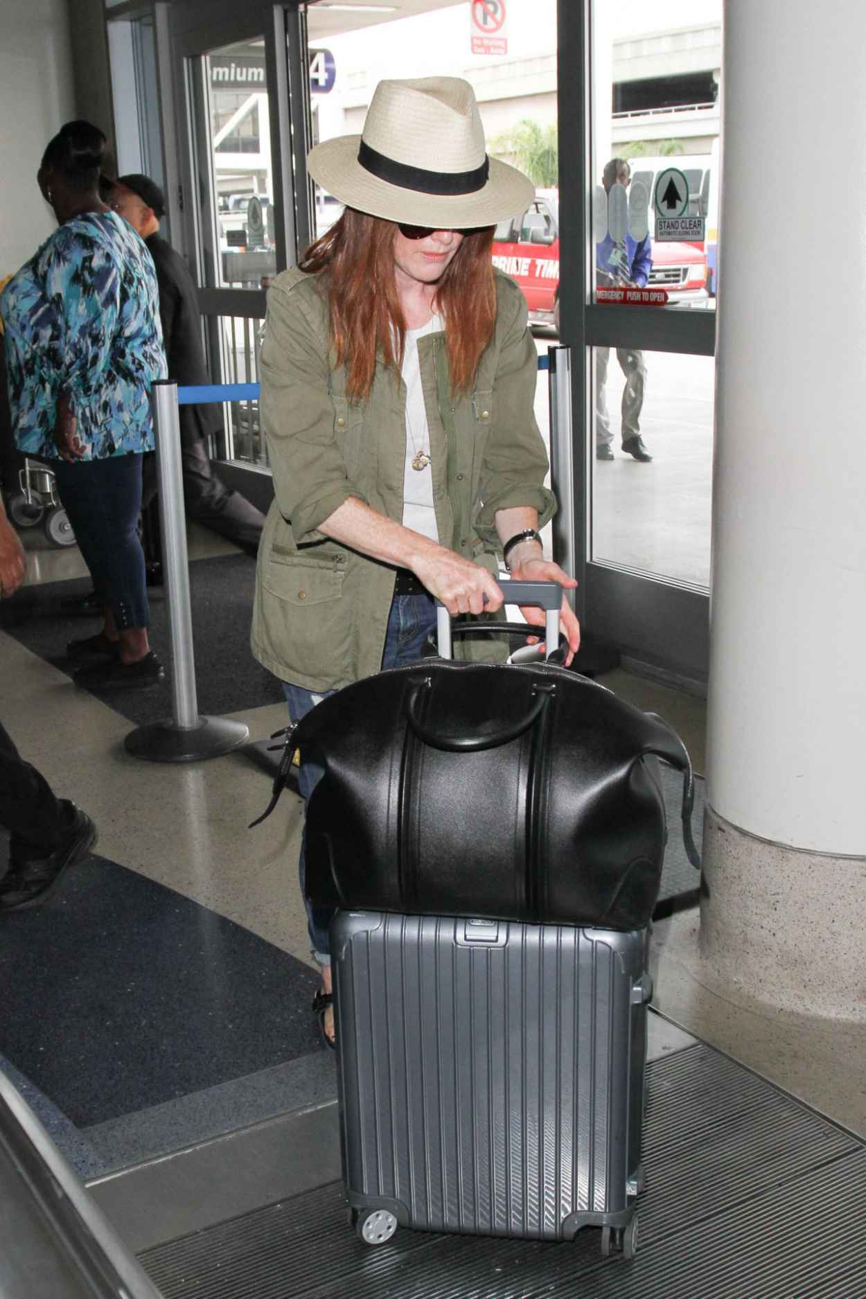 Julianne Moore at LAX AIrport, September 2015-5