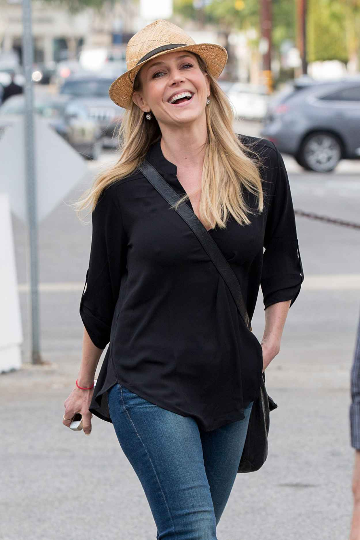 Julie Benz Shopping in Hollywood - February 2015-1