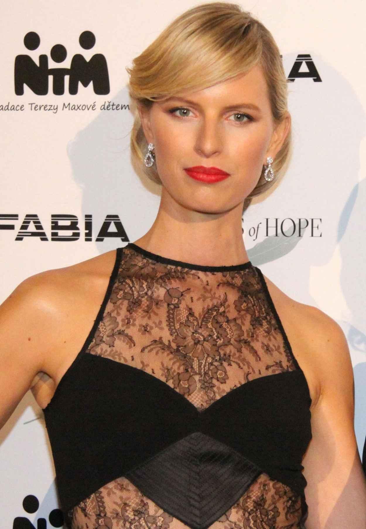 karolina kurkova model agency