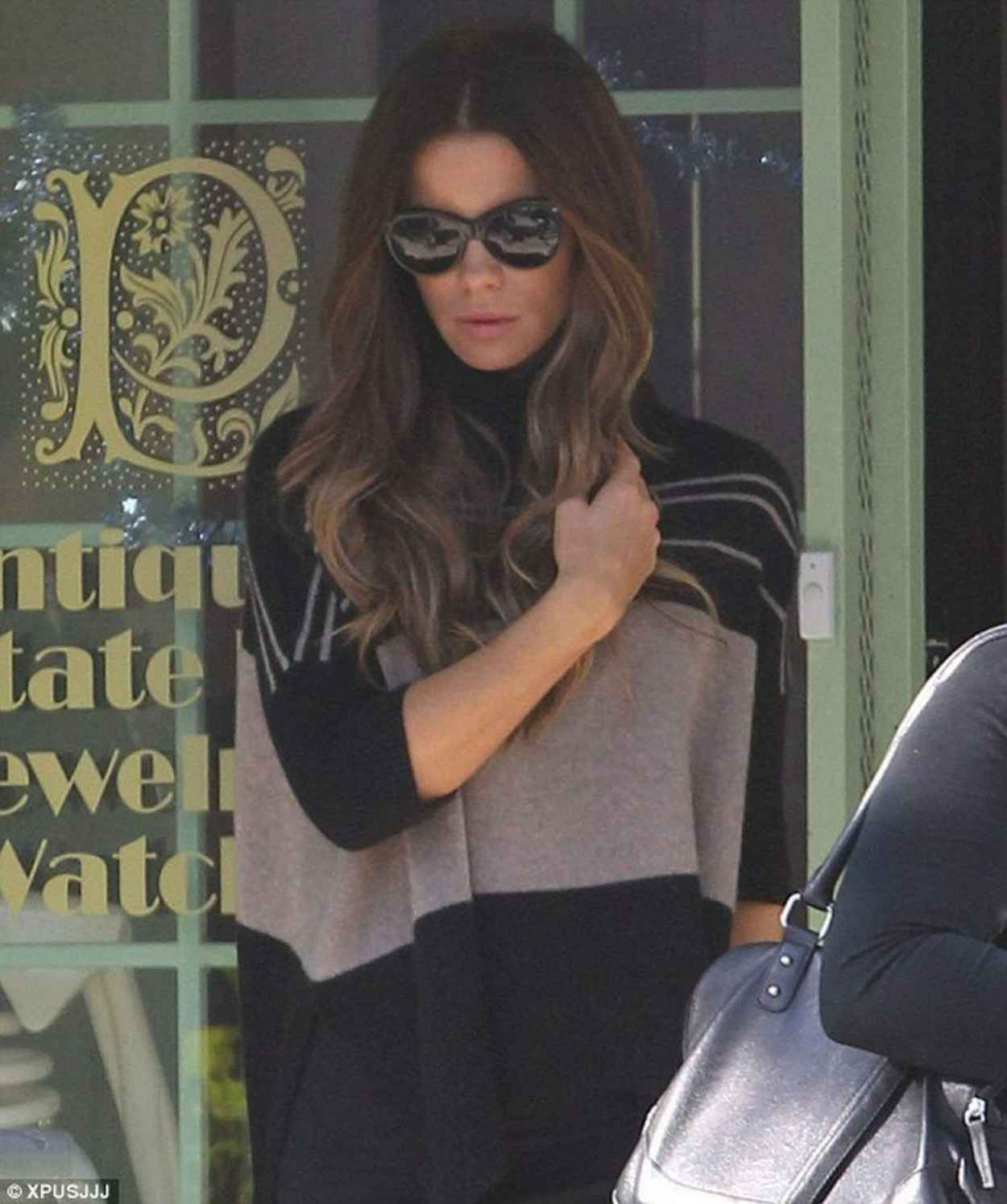 Kate Beckinsale Street Style - Visits Jewlery Store in West Hollywood - December 2015-1