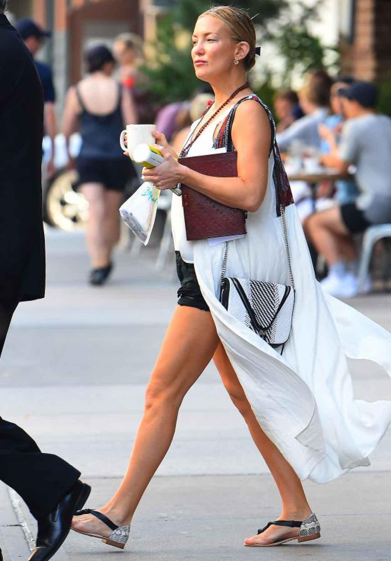 Kate Hudson Casual Style New York City September 2015
