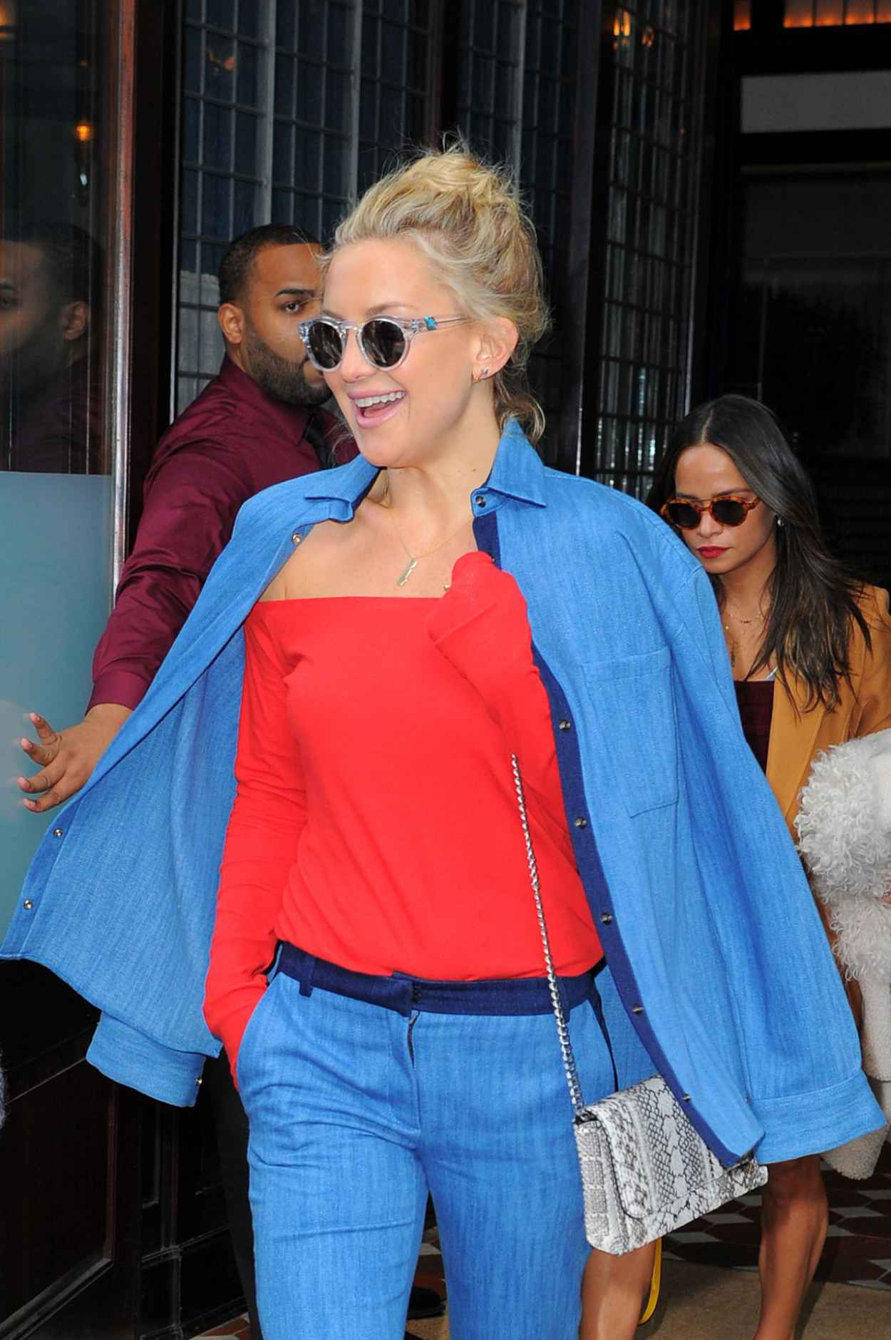 Kate Hudson Style Leaving Her Hotel In Nyc October 2015