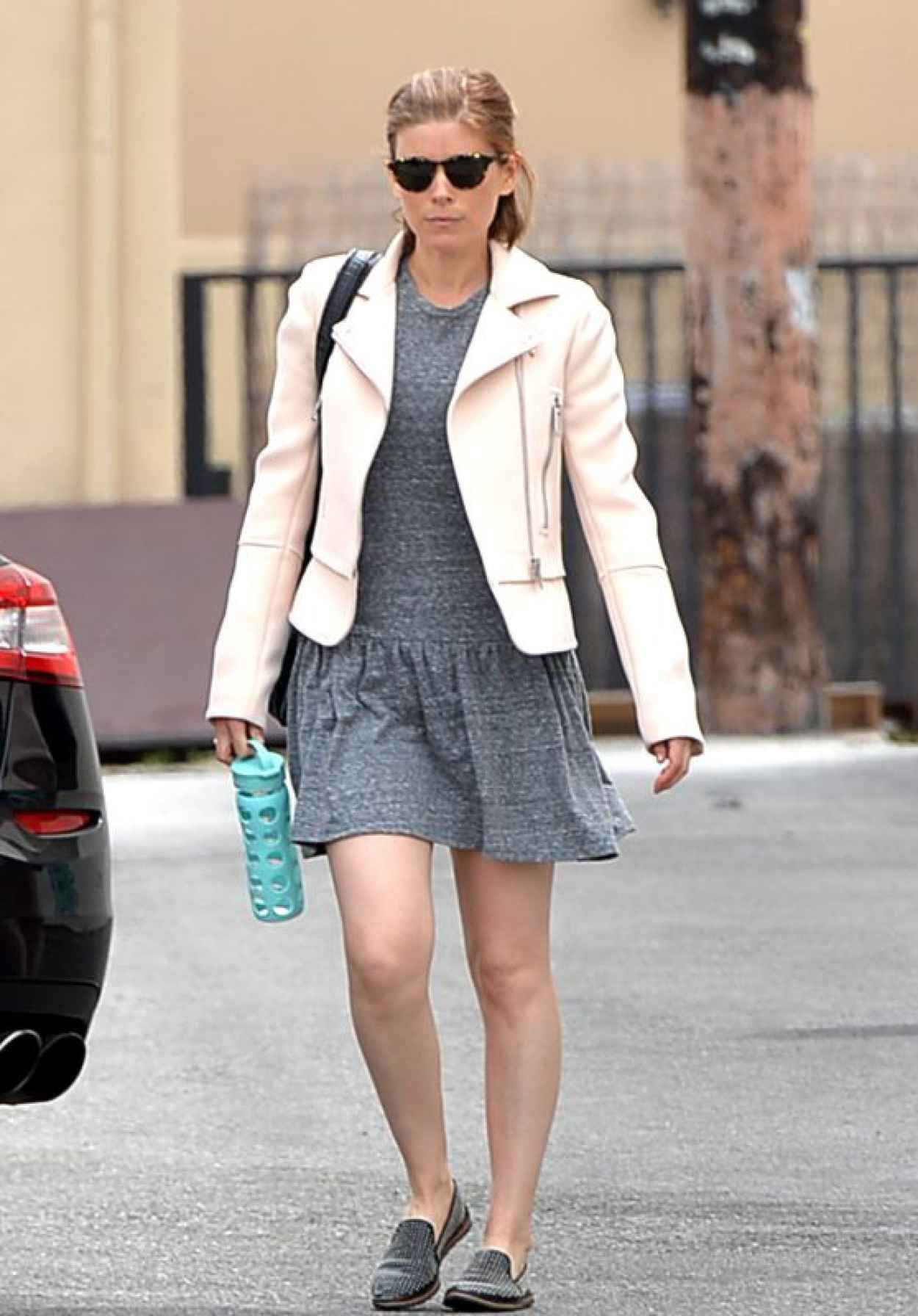 Kate Mara Street Style Shopping In Los Angeles April 2015