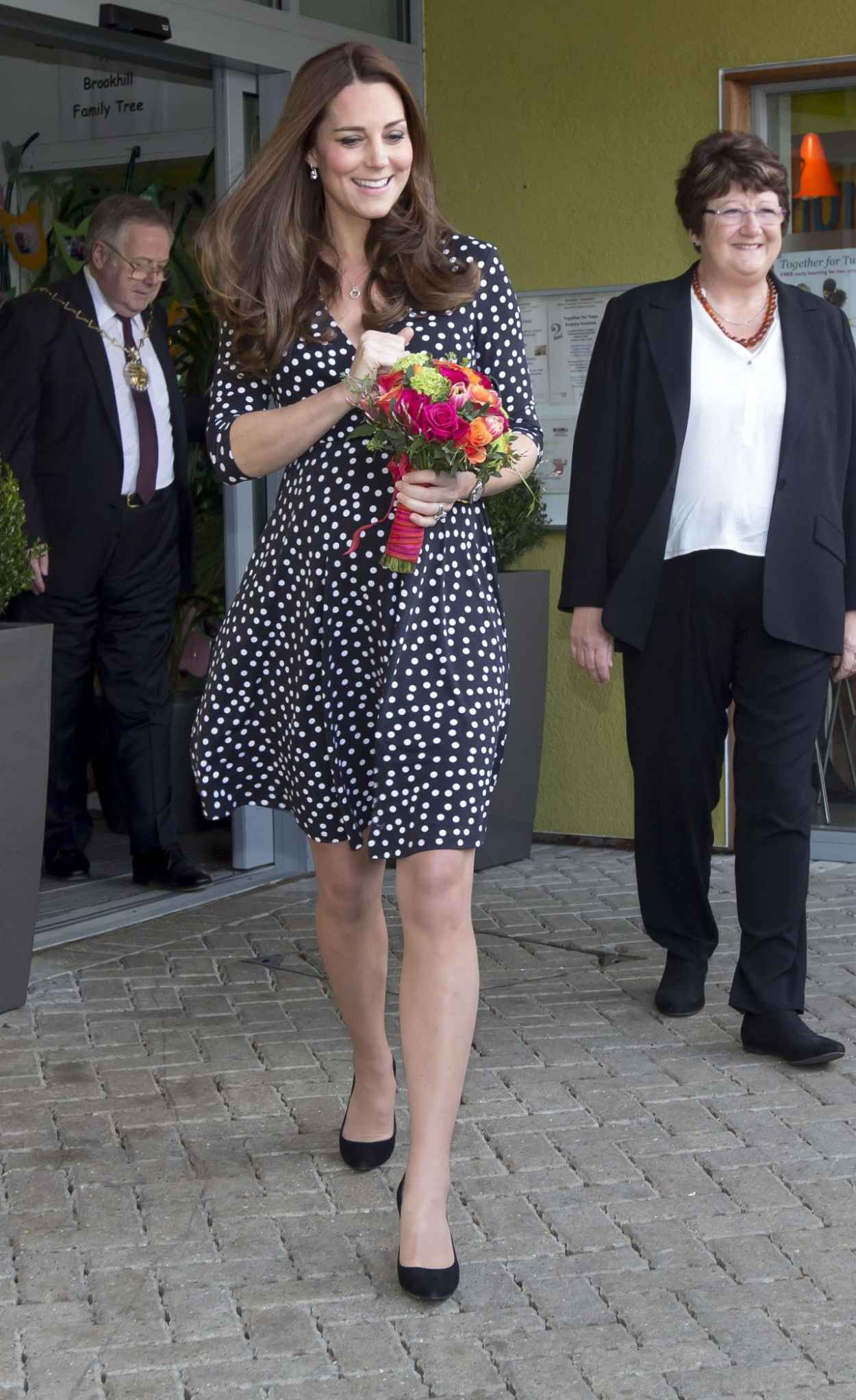 Kate Middleton at the Brookhill Childrens Centre in London, March 2015-1
