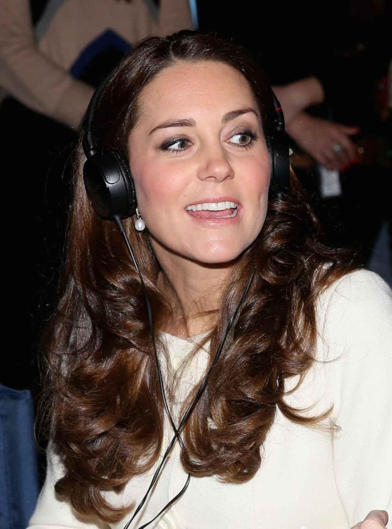 Kate Middleton - Ttouring the Set of Downton Abbey at Ealing Studios-1