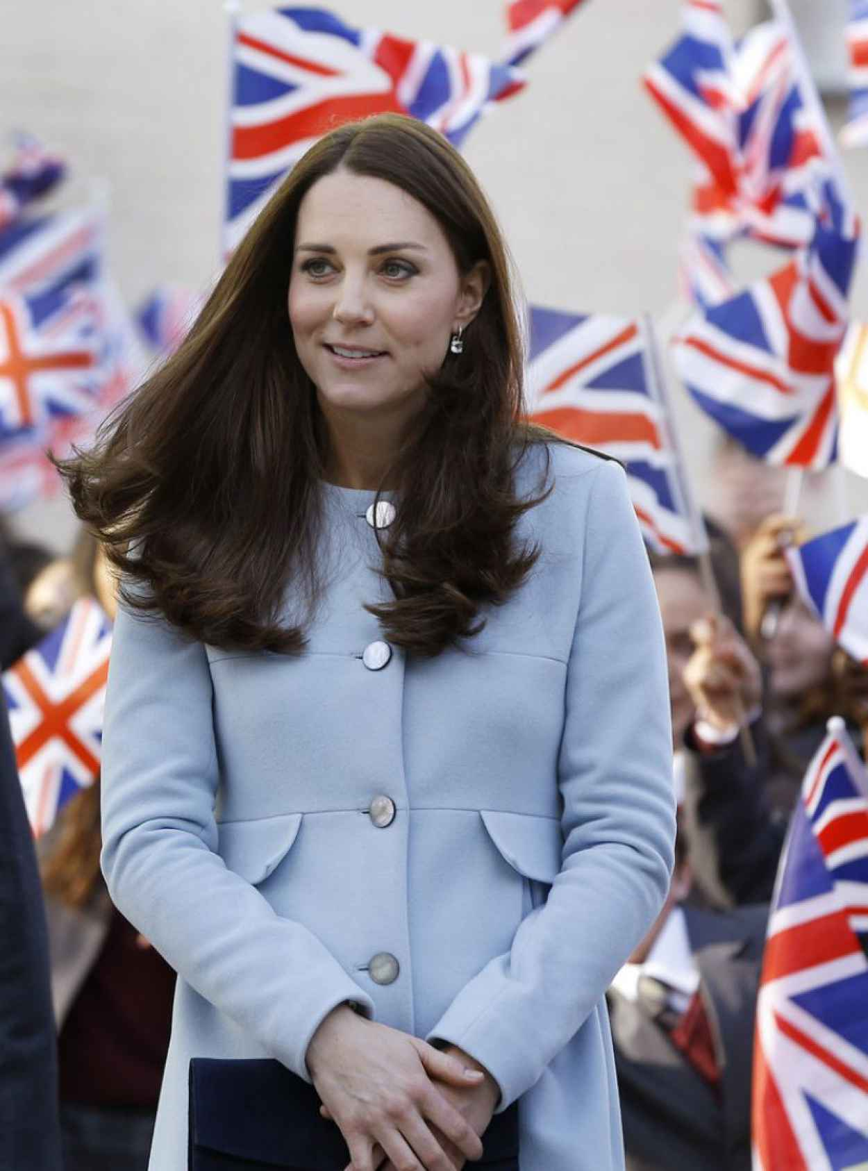Kate Middleton - Visits The Kensington Leisure Centre in London, Part 2-1