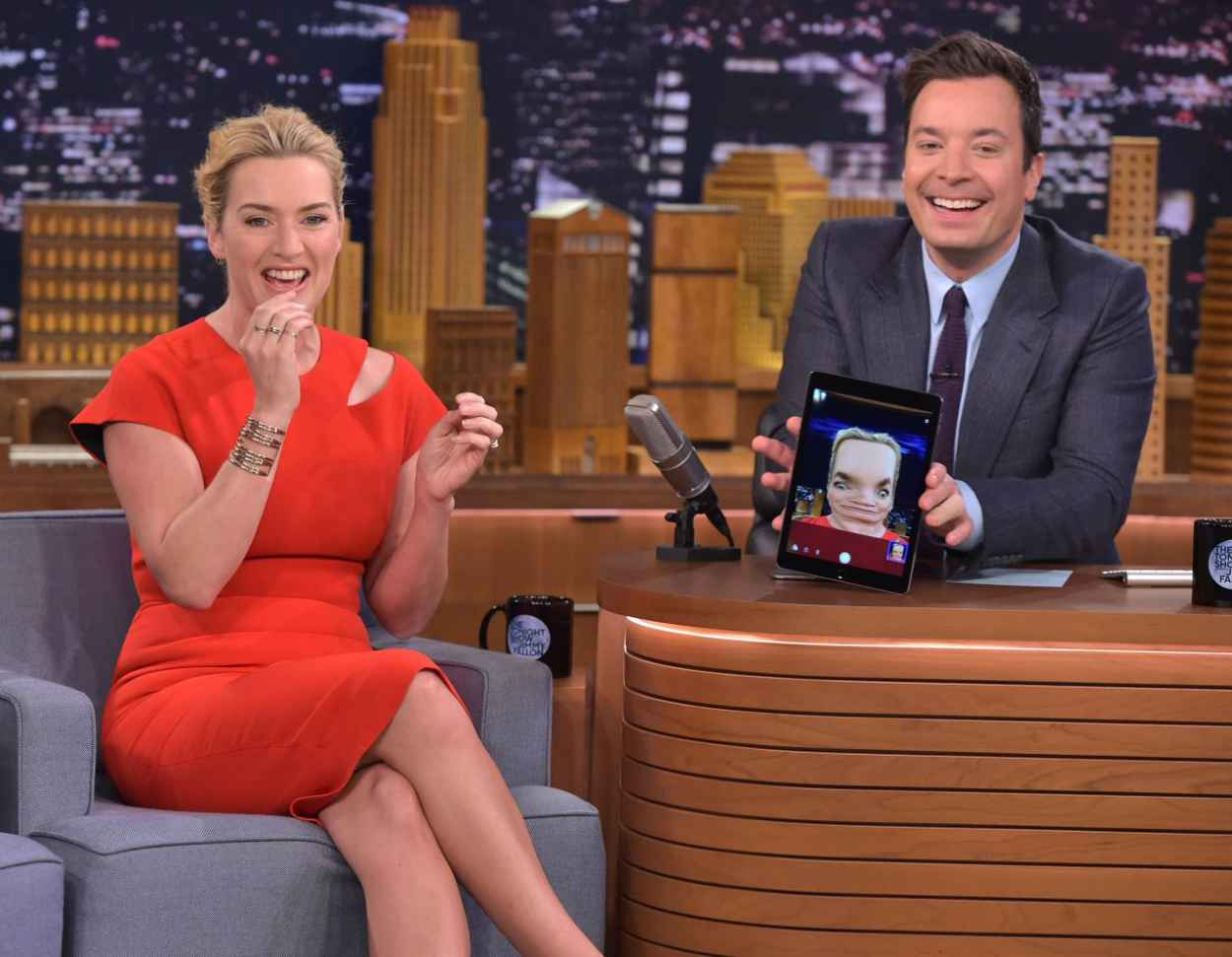 Kate Winslet - The Tonight Show With Jimmy Fallon, October 2015-5