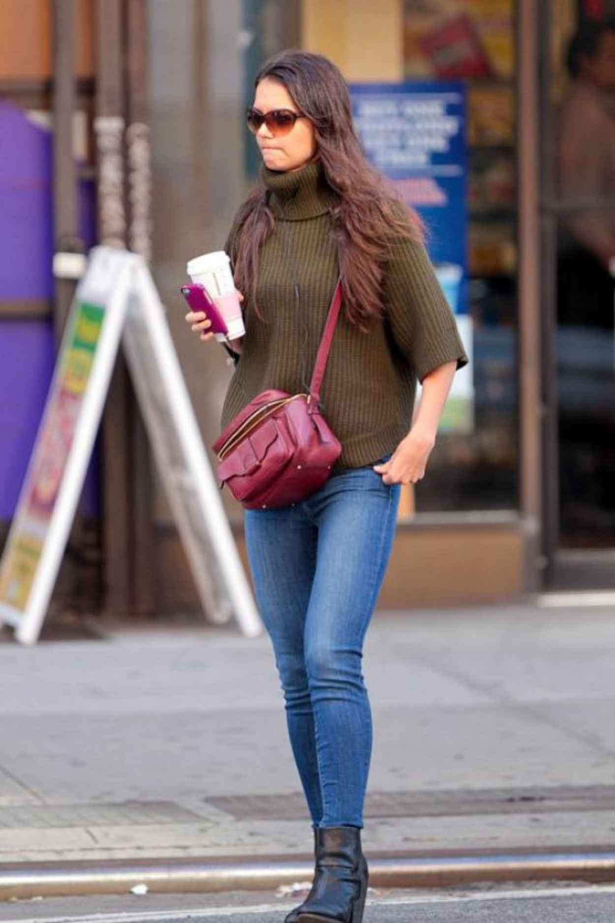 Katie Holmes Street Style - In New York City - October 2015-1