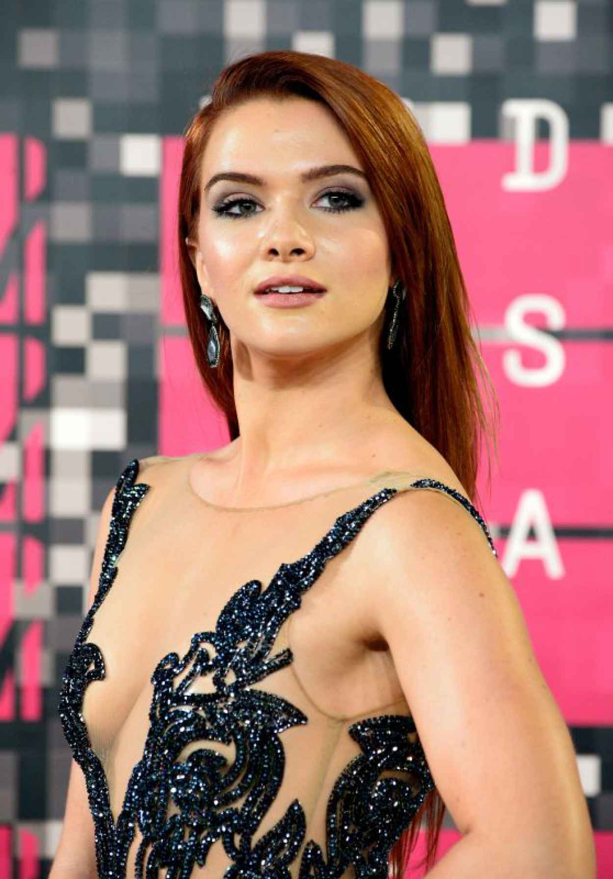 Katie Stevens - 2015 MTV Video Music Awards at Microsoft Theater in Los Angeles-1