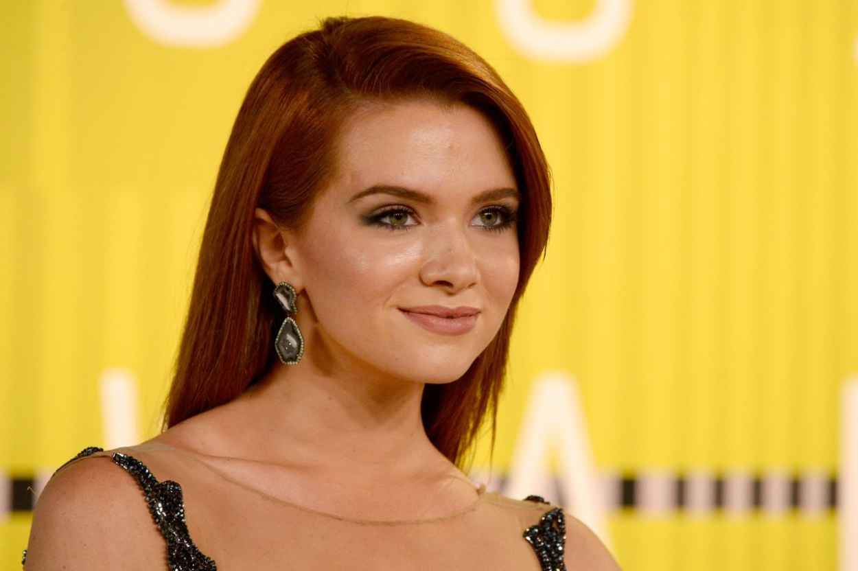 Katie Stevens - 2015 MTV Video Music Awards at Microsoft Theater in Los Angeles-5