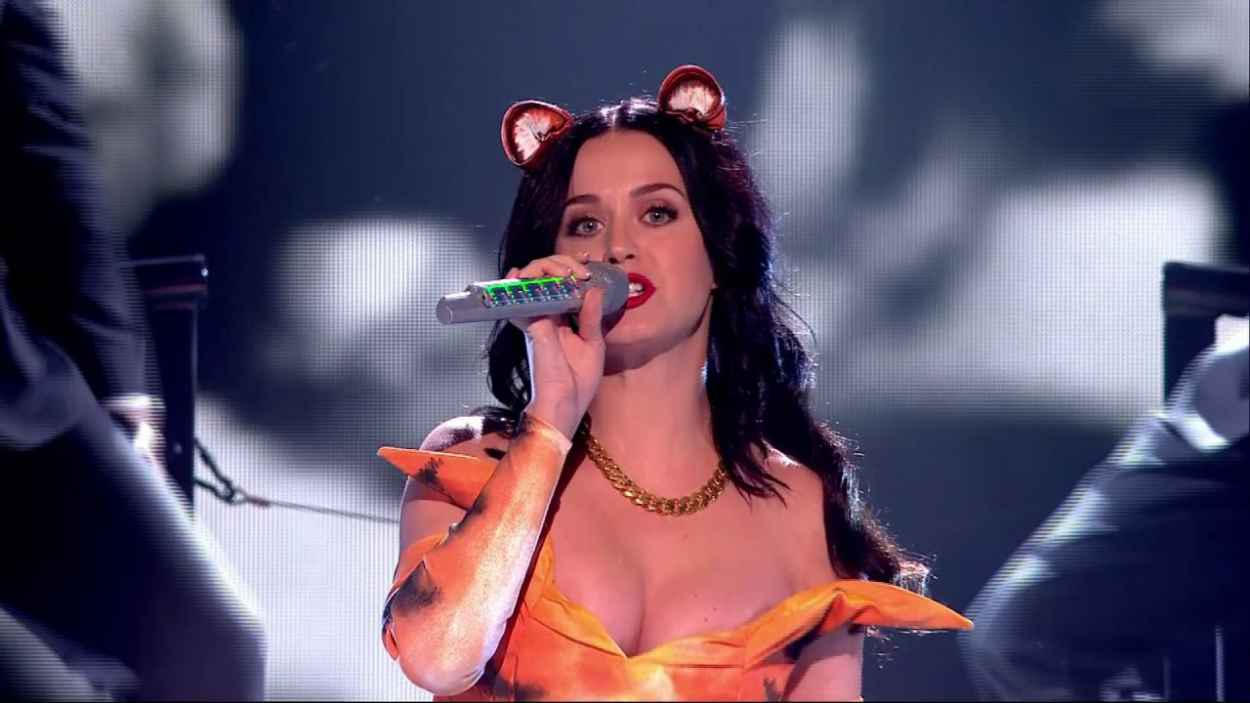 Katy Perry Performing ROAR On X Factor-1