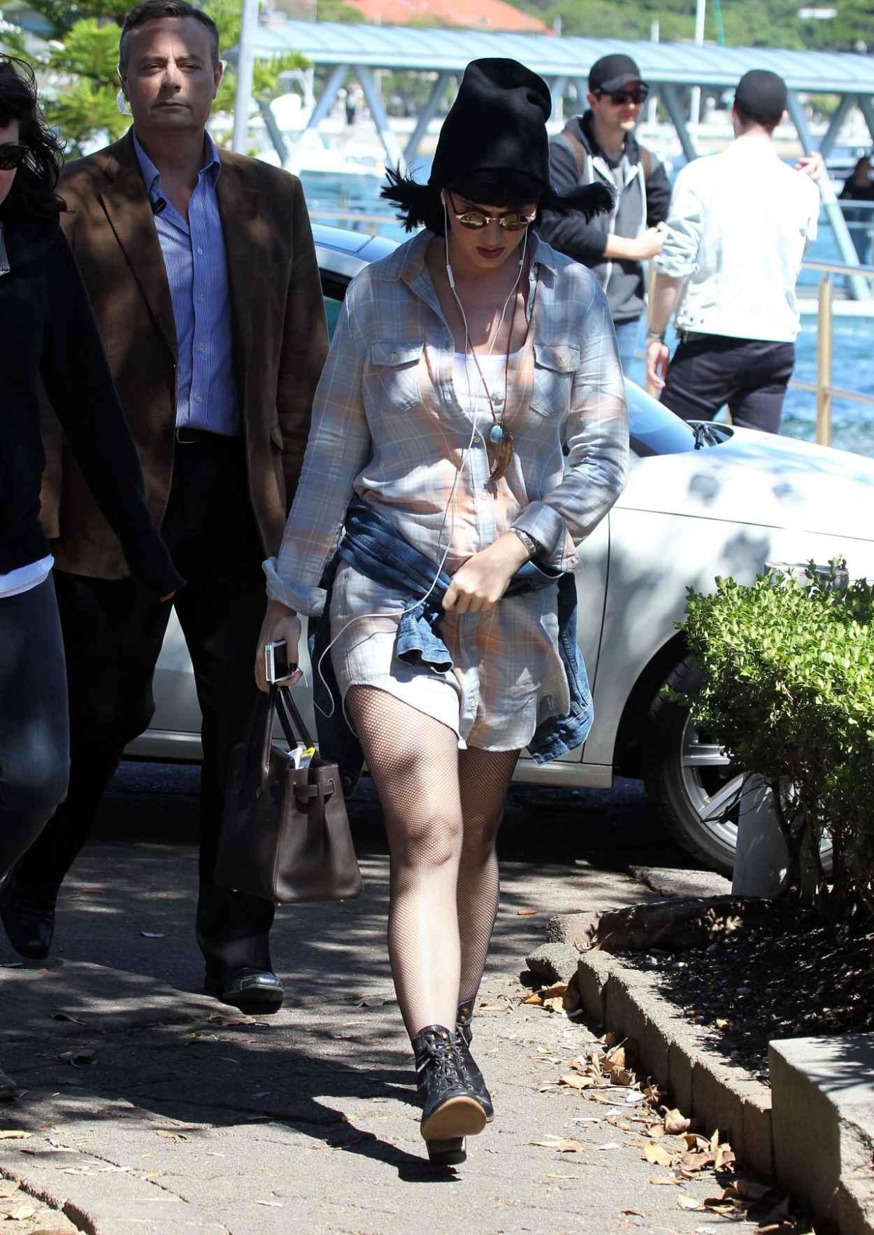 Katy Perry Street Style Catalina Resutaurant In Sydney