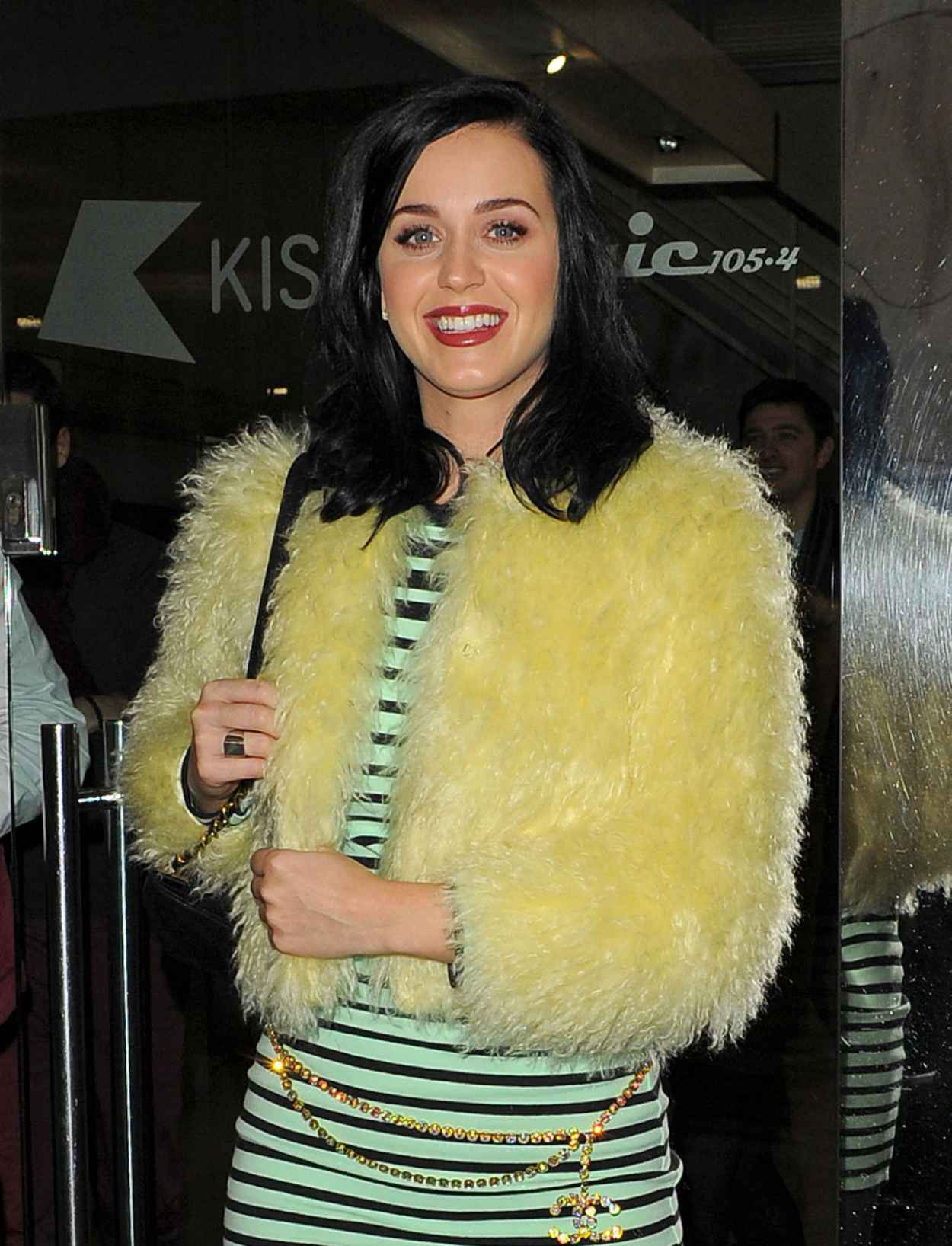 Katy Perry Street Style - Leaving Kiss FM Radio Station in London - December 2015-1