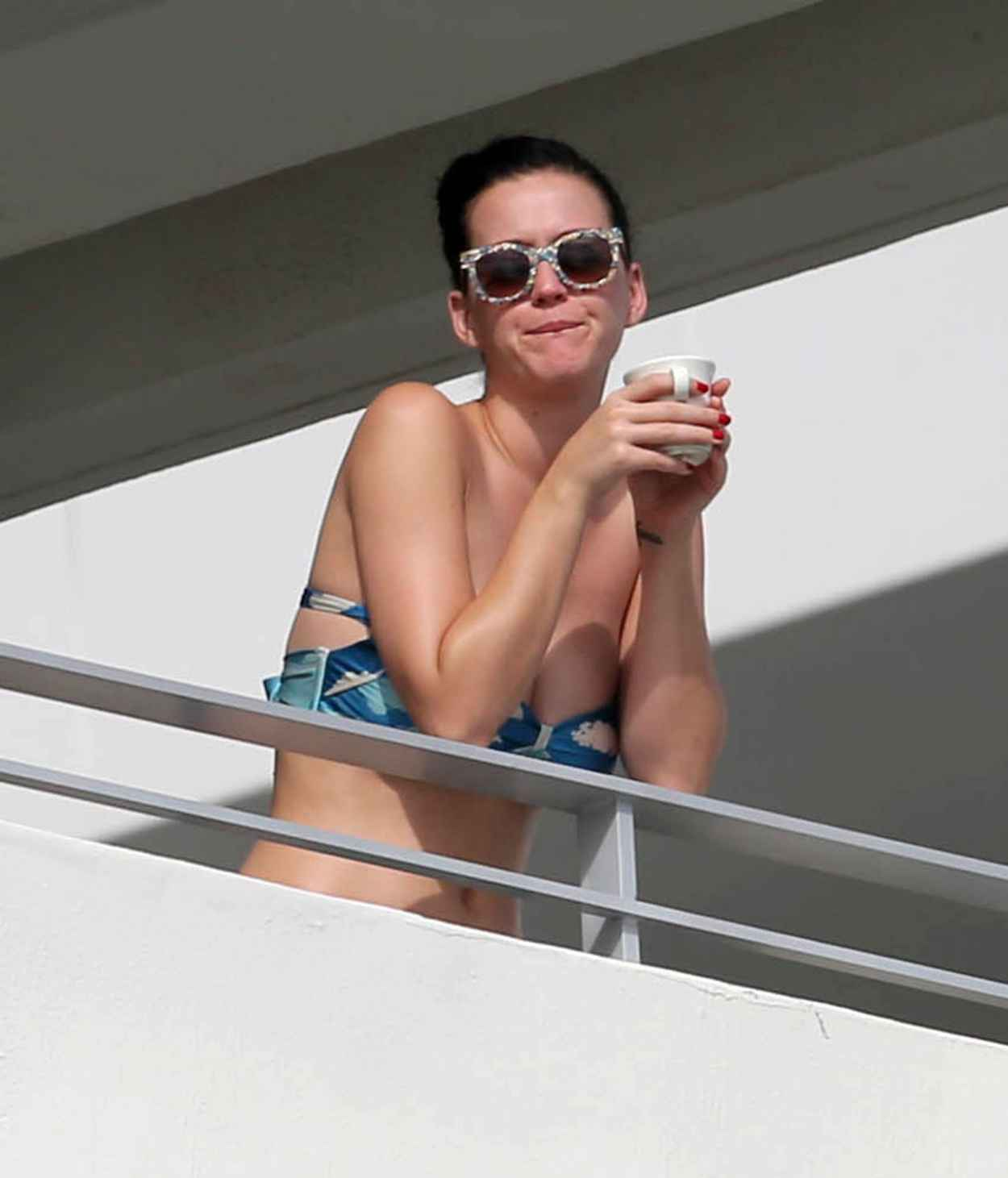 Katy Perry Wearing a Bikini Top in Miami - November 2015-1