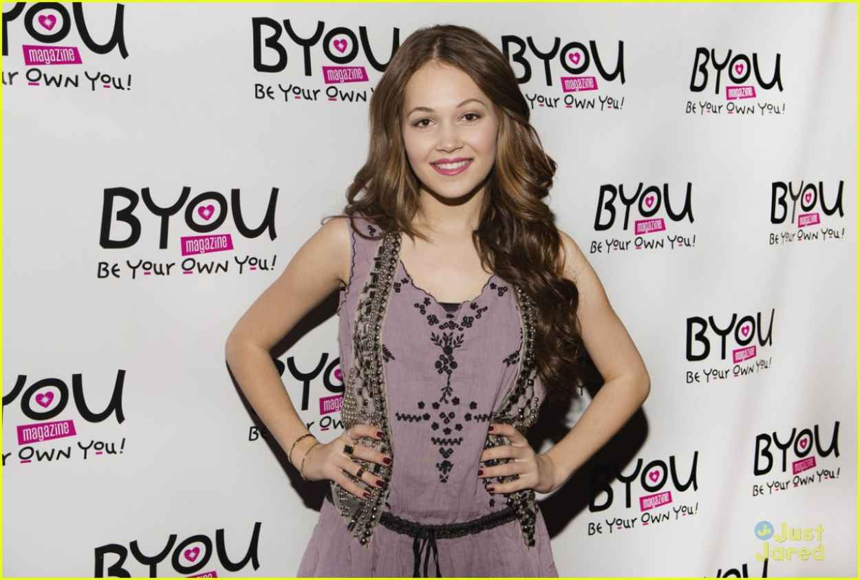 Kelli Berglund Attends BYOU Magazine-s Girltopia in Los Angeles-1