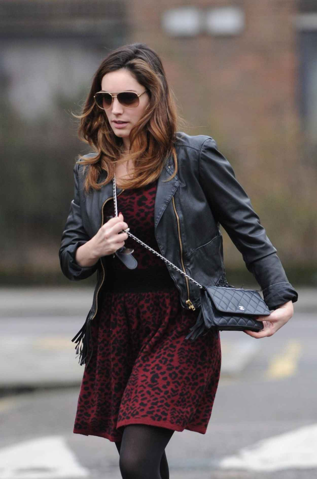 Kelly Brook Street Style - London - January 2015-1