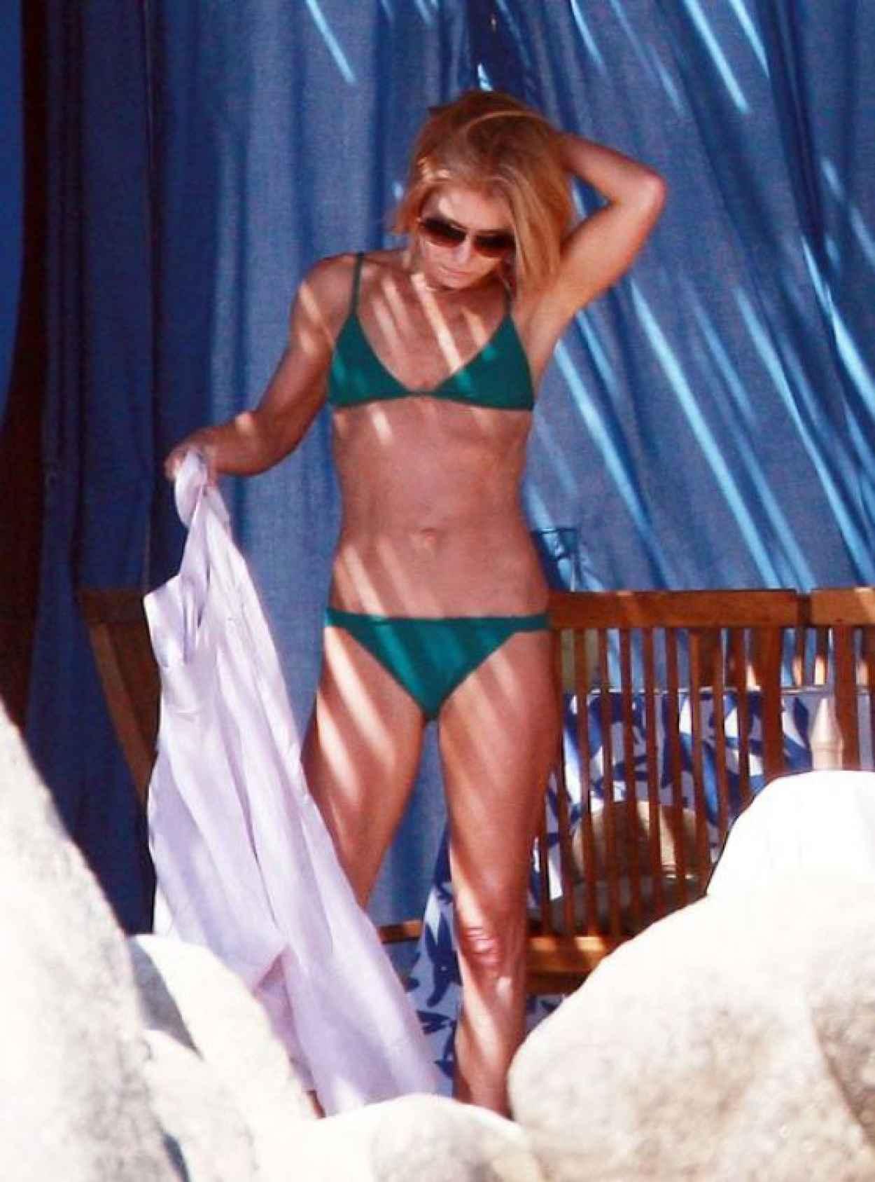 Kelly Ripa Bikini Candids - Mexico, January 2015-3