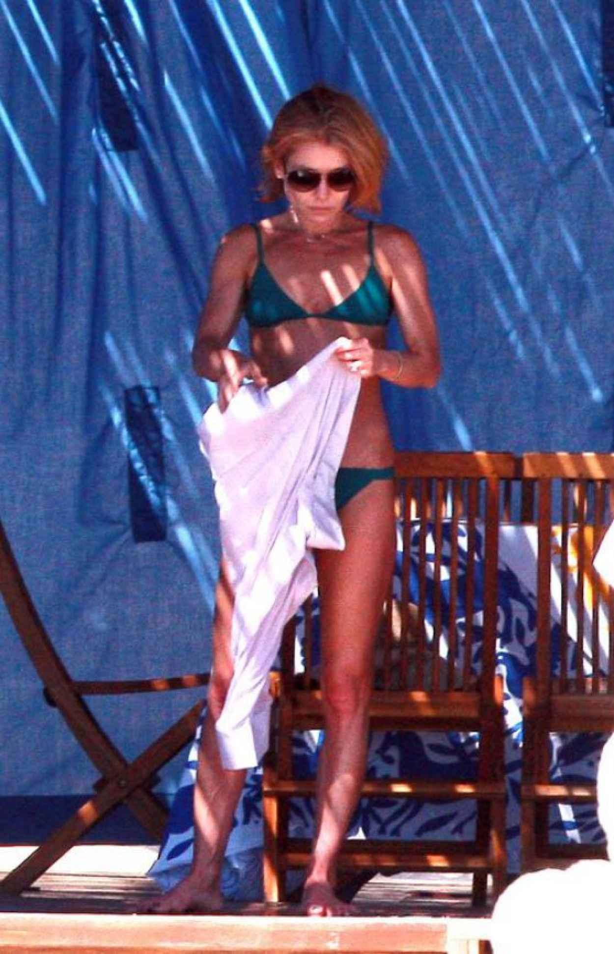 Kelly Ripa Bikini Candids - Mexico, January 2015-5