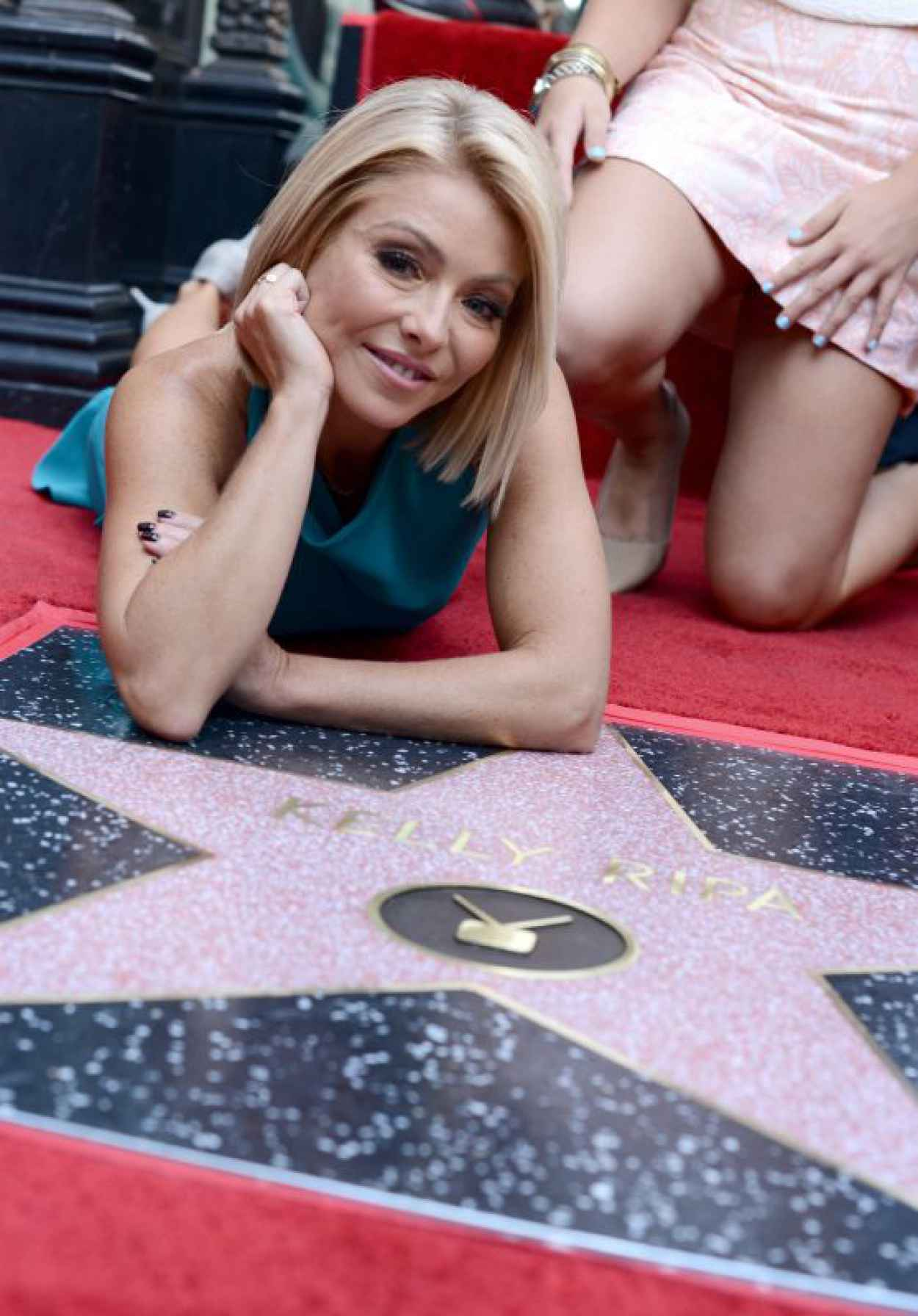 Kelly Ripa - Receives Her Star on the Hollywood Walk of Fame, October 2015-1