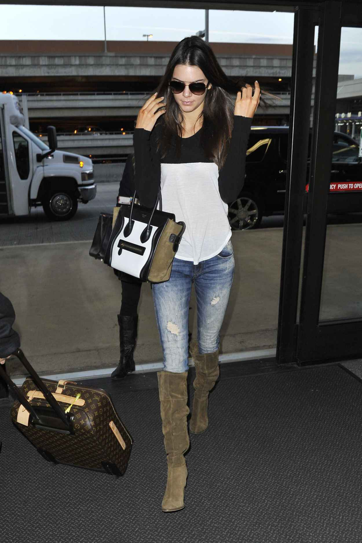 Kendall Jenner in Jeans at LAX Airport - November 2015-2