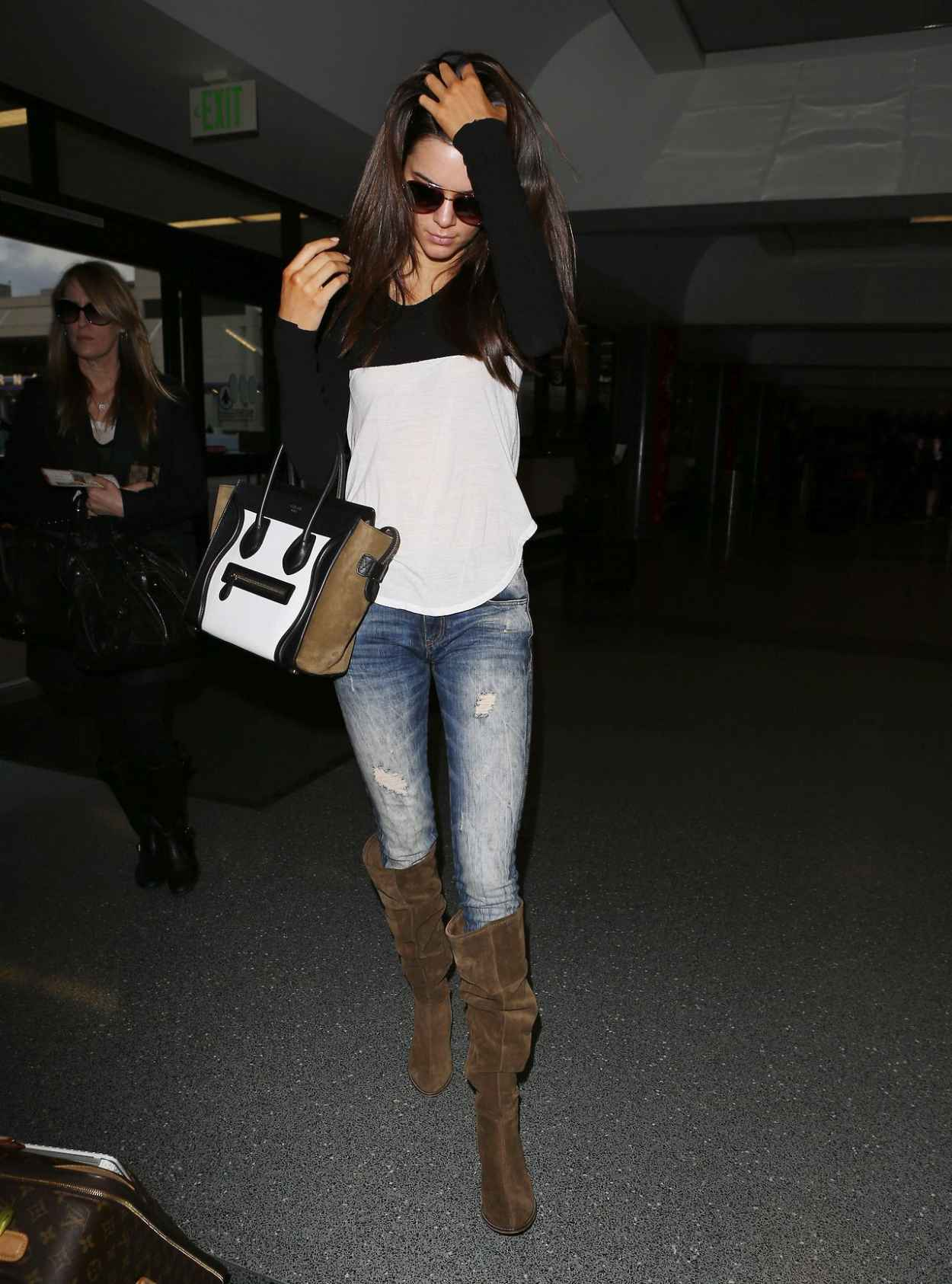 Kendall Jenner in Jeans at LAX Airport - November 2015-3