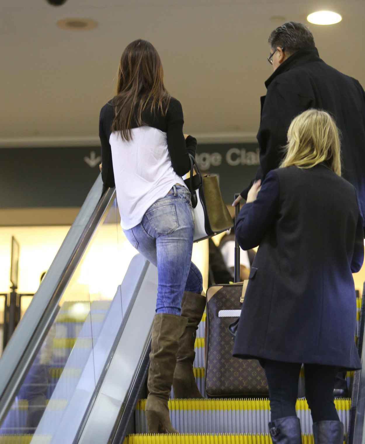 Kendall Jenner in Jeans at LAX Airport - November 2015-5
