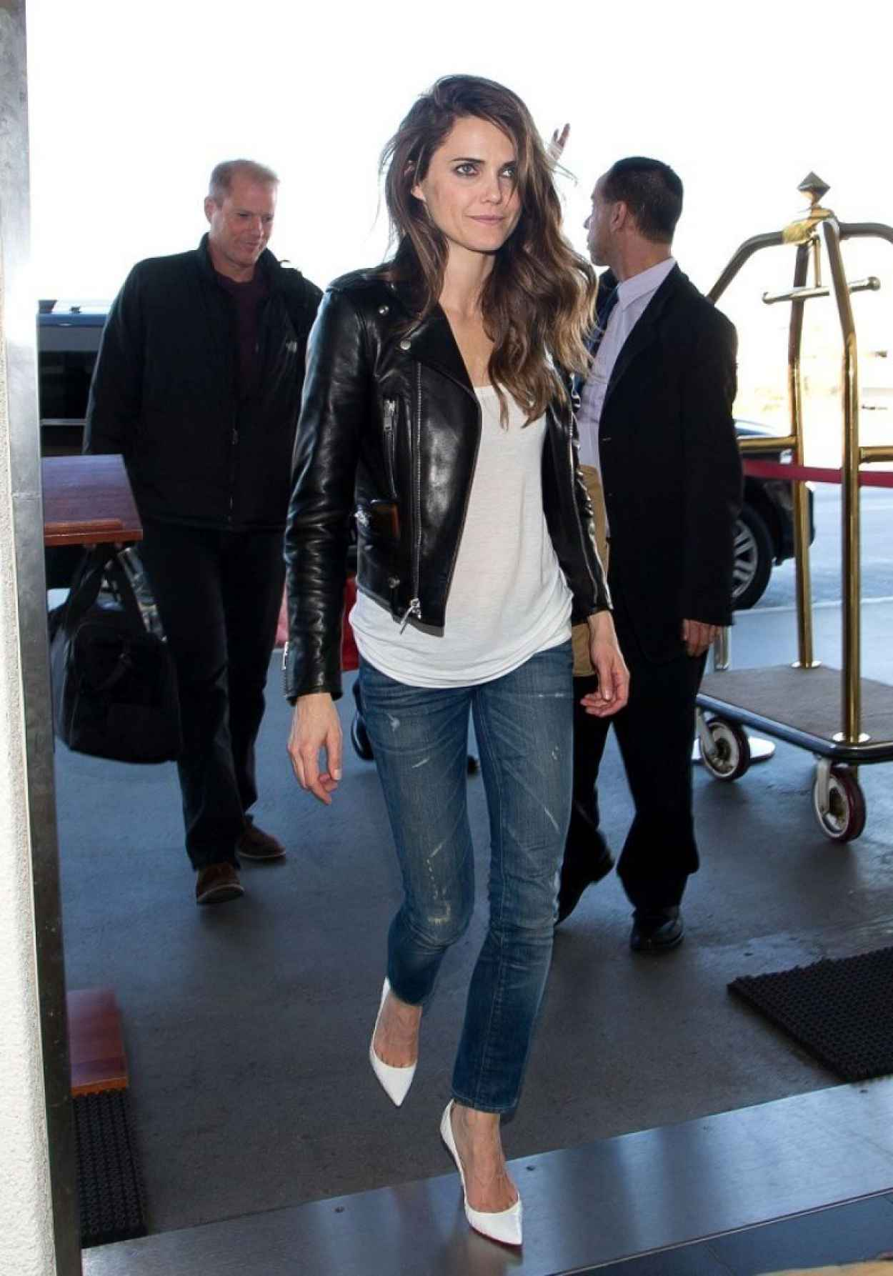Keri Russell Street Style - in Jeans at LAX Airport, January 2015-1