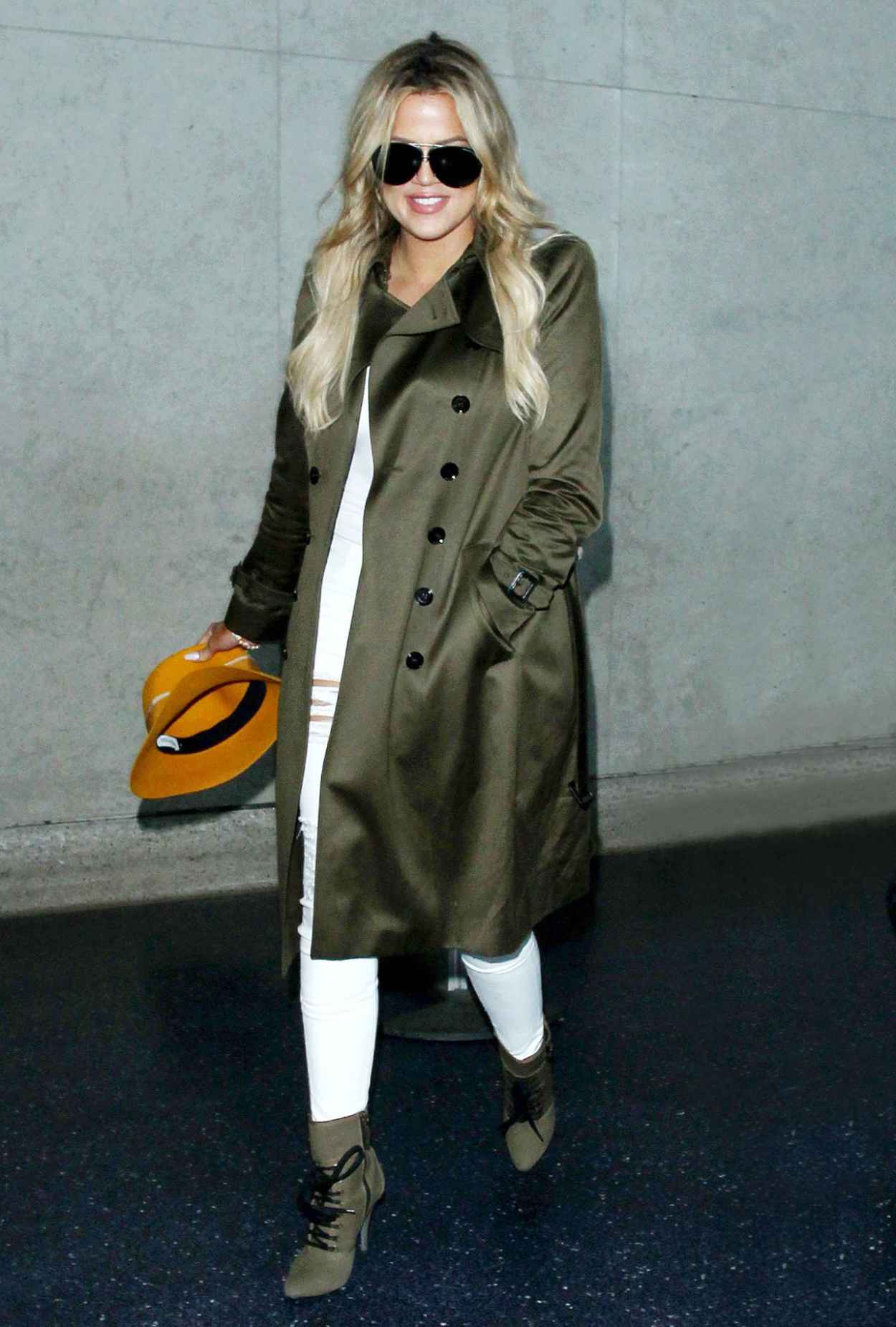 Khloe Kardashian - LAX Airport in Los Angeles, May 2015-2