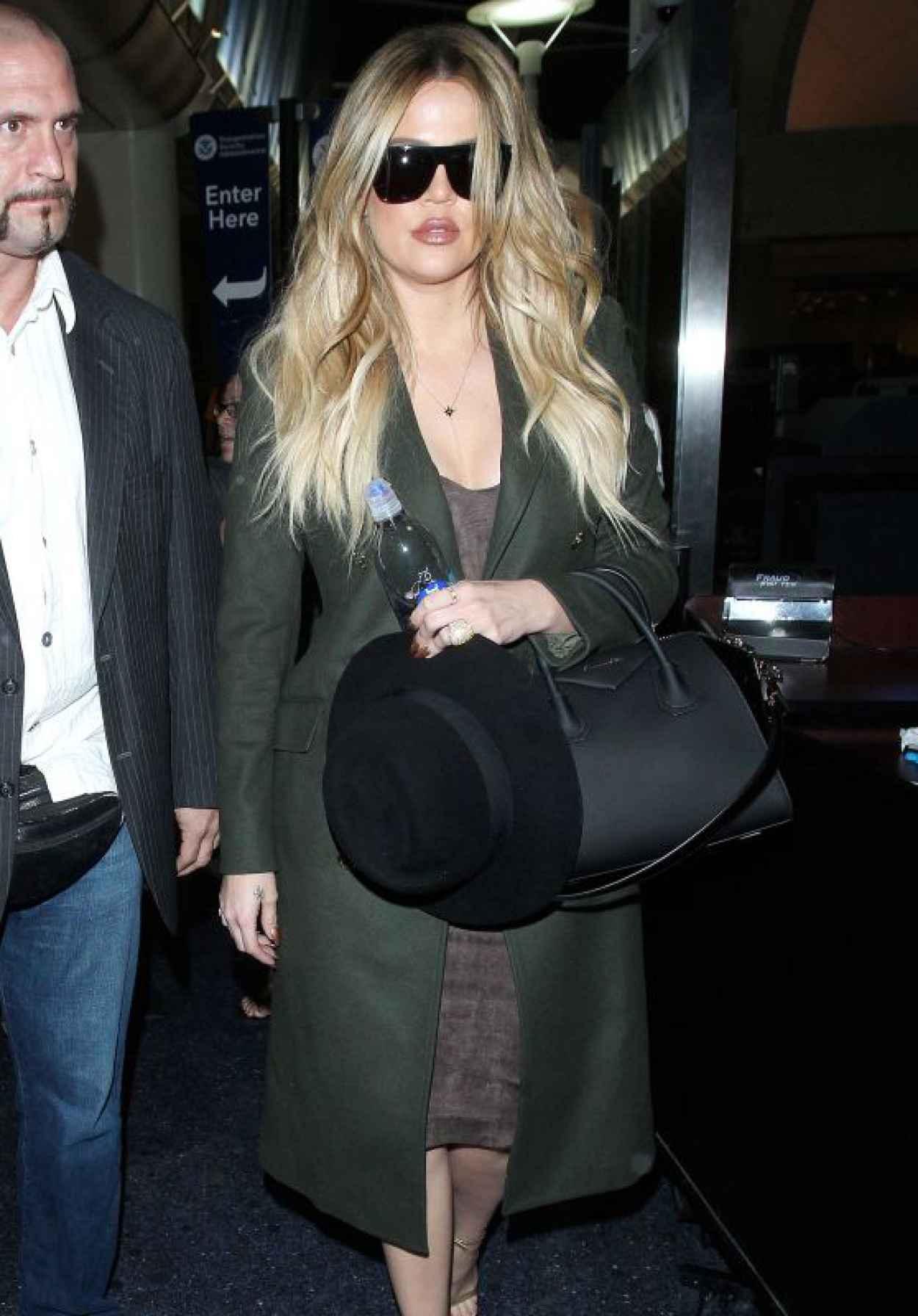 Khloe Kardashian Pics - at LAX Airport, April 2015-1
