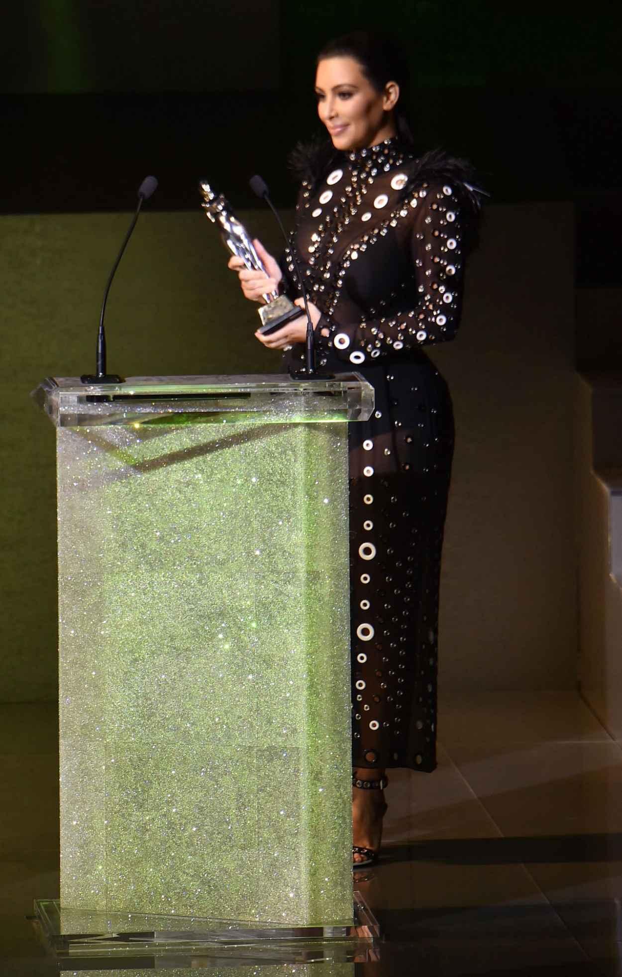 Kim Kardashian 2015 Cfda Fashion Awards In New York City
