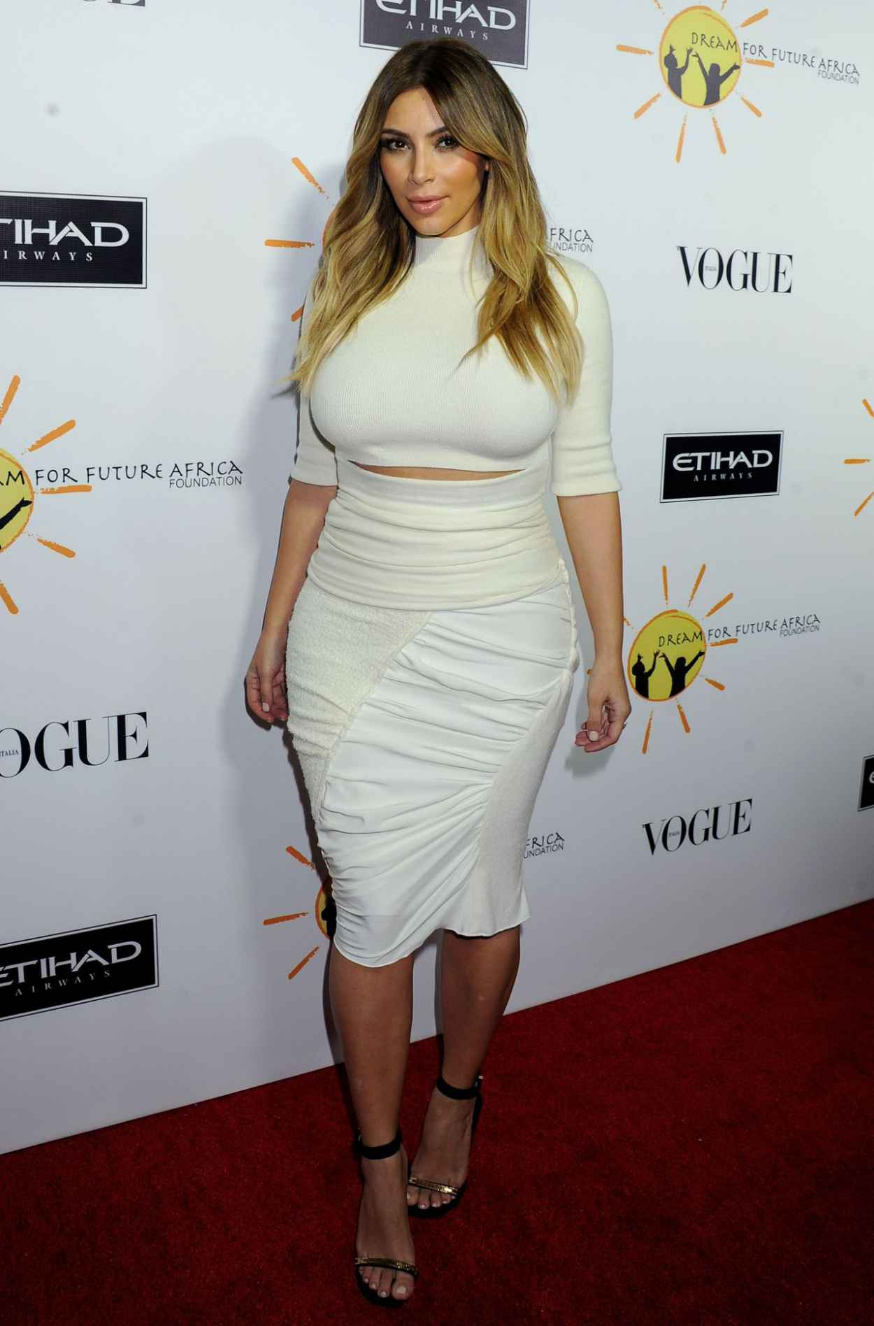 Kim Kardashian on Red Carpet - Dream For Future Africa Foundation Gala-1