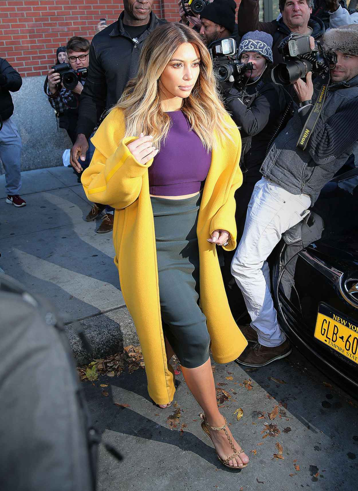 Kim Kardashian Style - Leaving Kanyes Apartment in New York City - November 2015-1