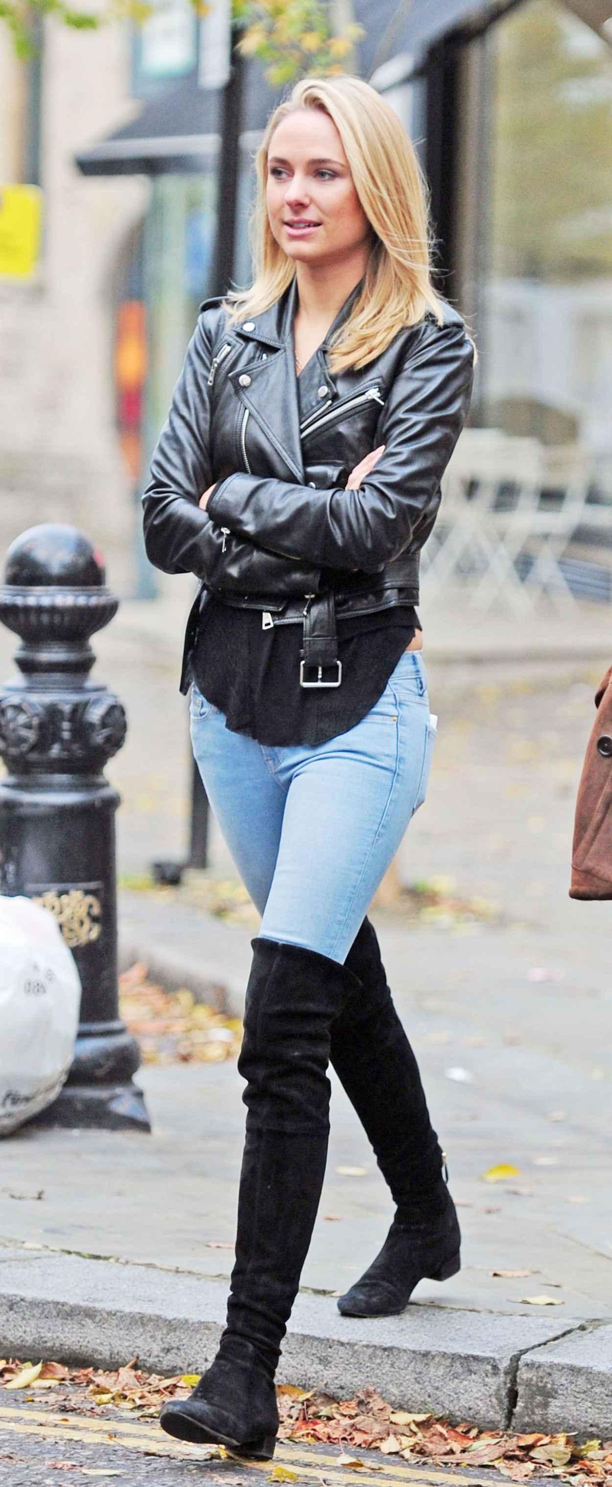 Kimberley Garner Street Style - in Jeans out in London - November 2015-1