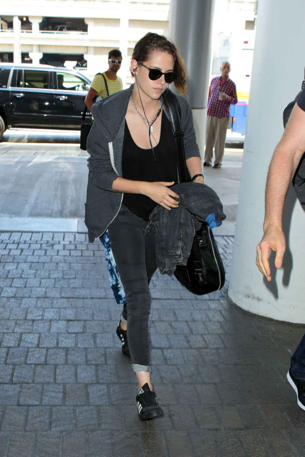 Kristen Stewart Airport Style At Lax July 2015
