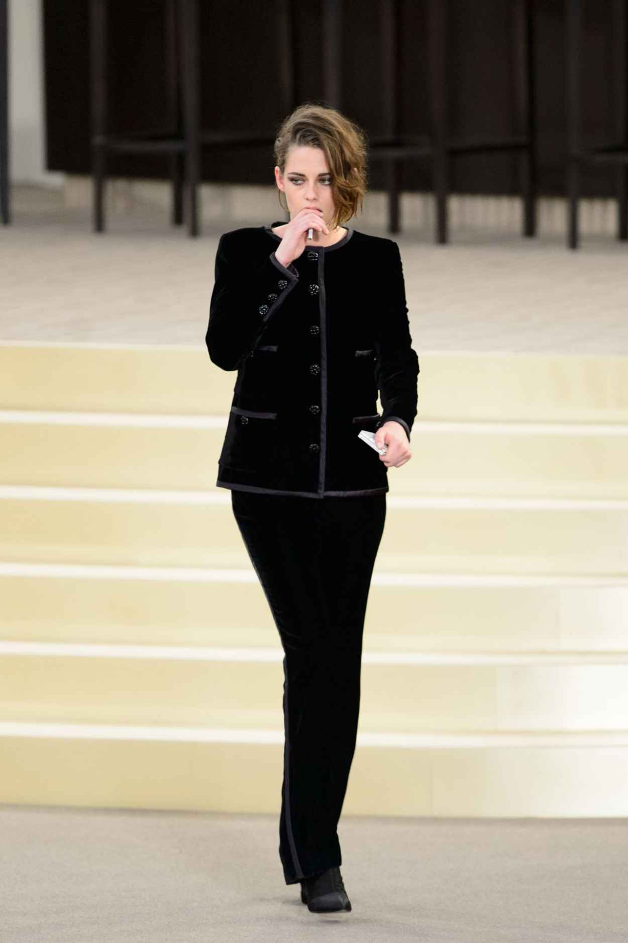 Kristen Stewart Chanel Fashion Show In Paris July 2015