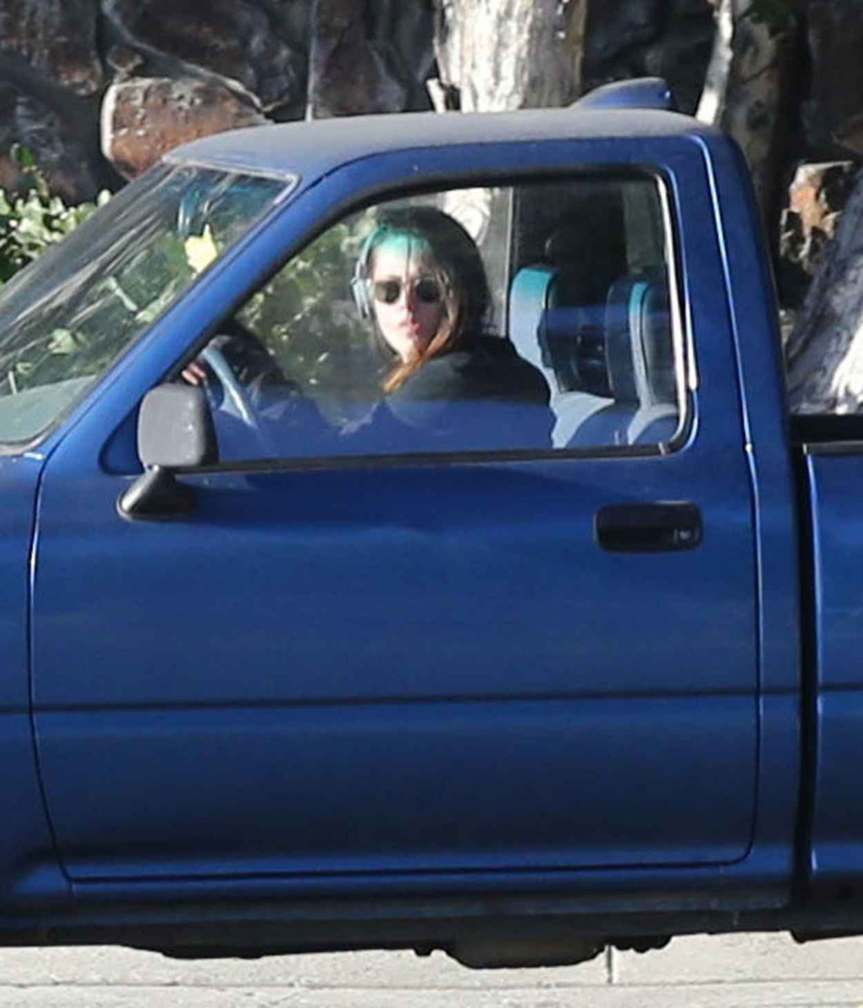 Kristen Stewart Driving in Los Angeles-1