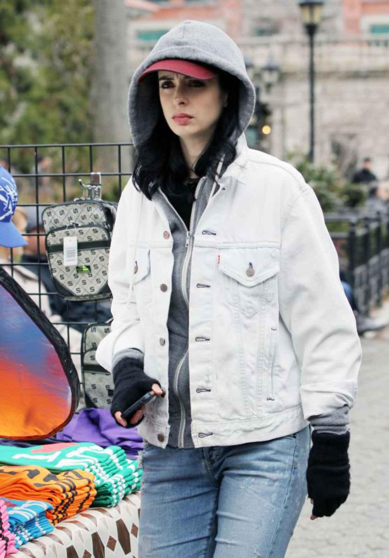 Krysten Ritter - Set of Aka Jessica Jones in NYC, April 2015-1