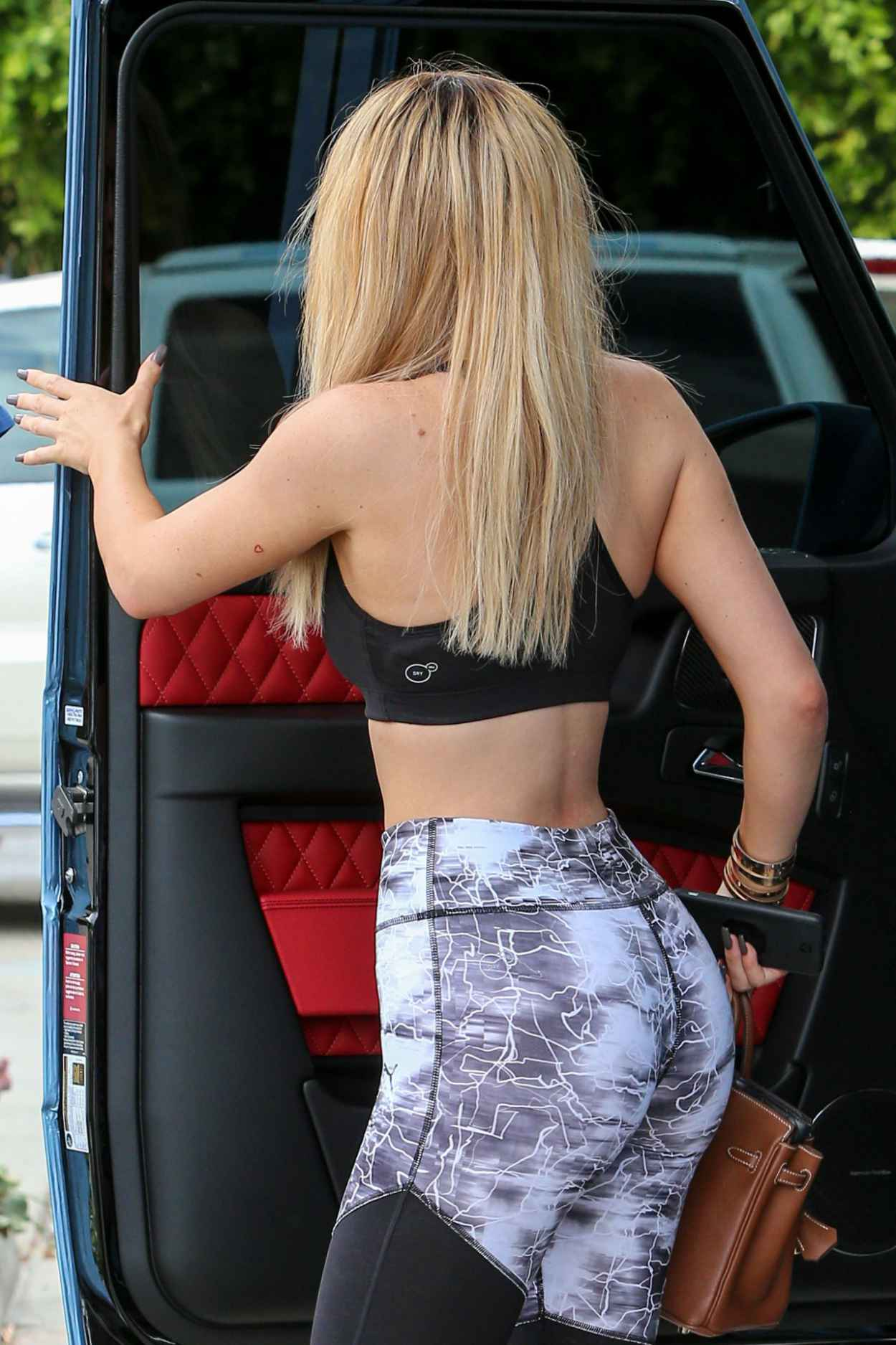 Kylie Jenner Booty in Tights at the Westfield Mall in Calabasas, September 2015-5
