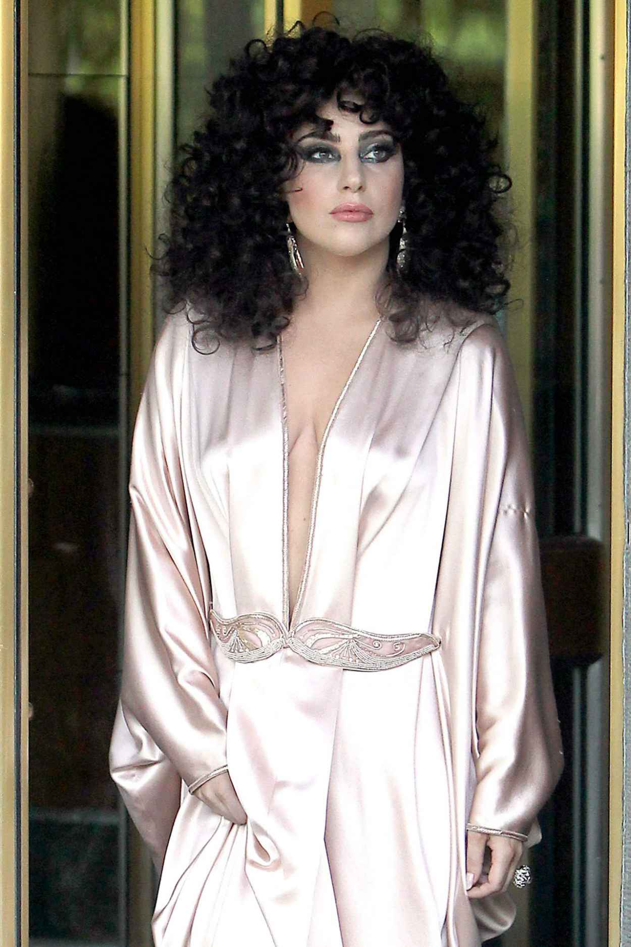 lady gaga in pink silk dressing gown leaves her apartment in new york city. Black Bedroom Furniture Sets. Home Design Ideas