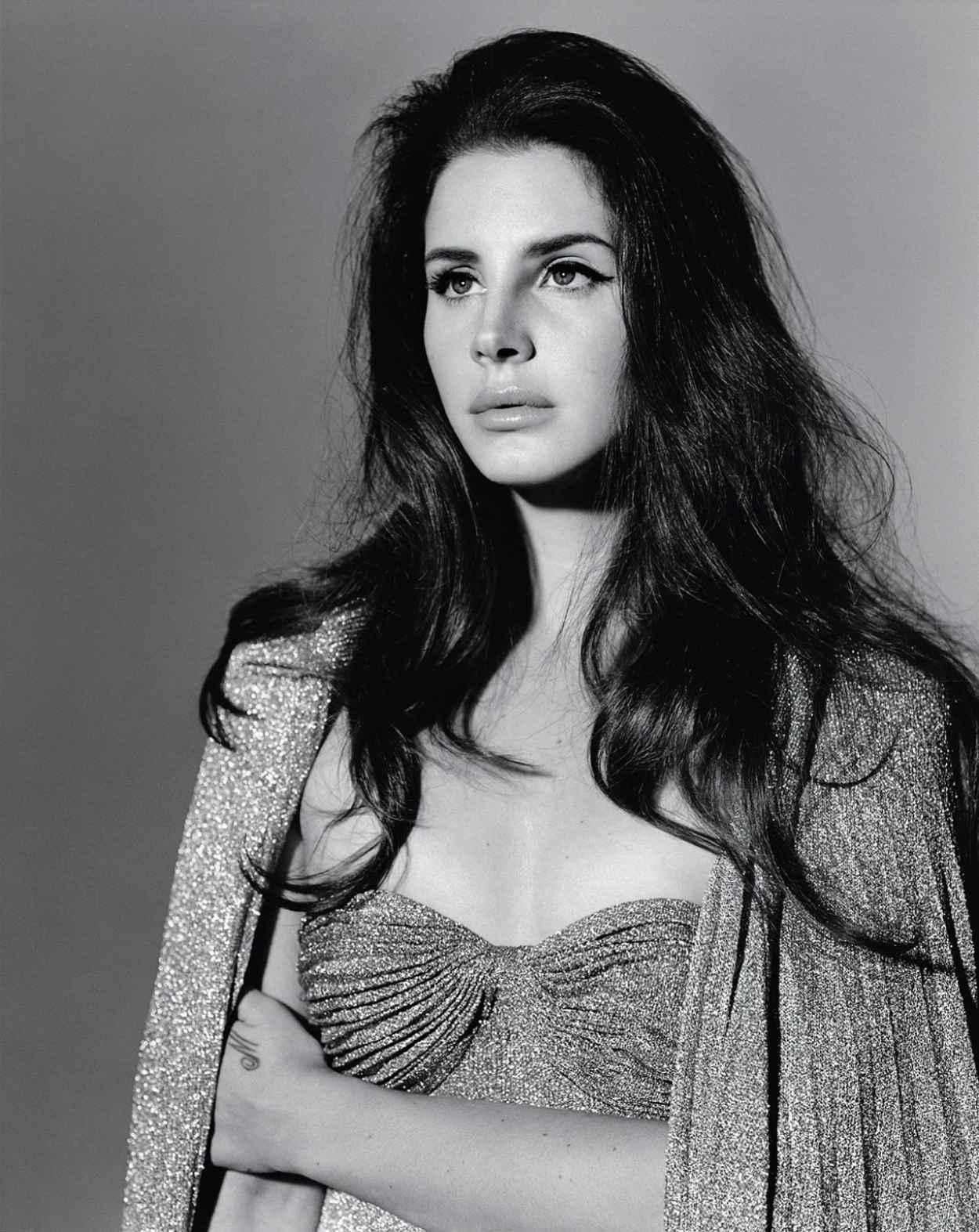 Lana Del Rey Fashion Magazine