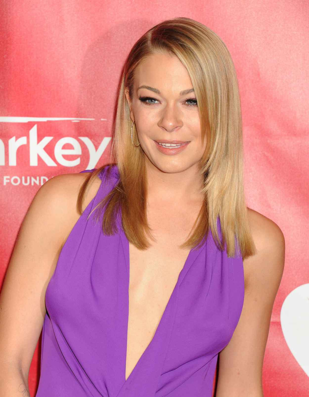 LeAnn Rimes - 2015 MusiCares Person of the Year Gala in Los Angeles-1