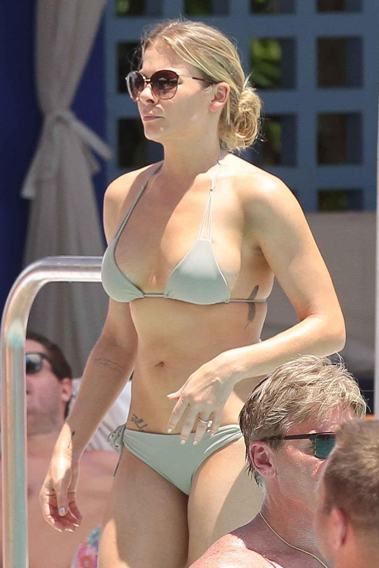 Bikini picture of leann rimes