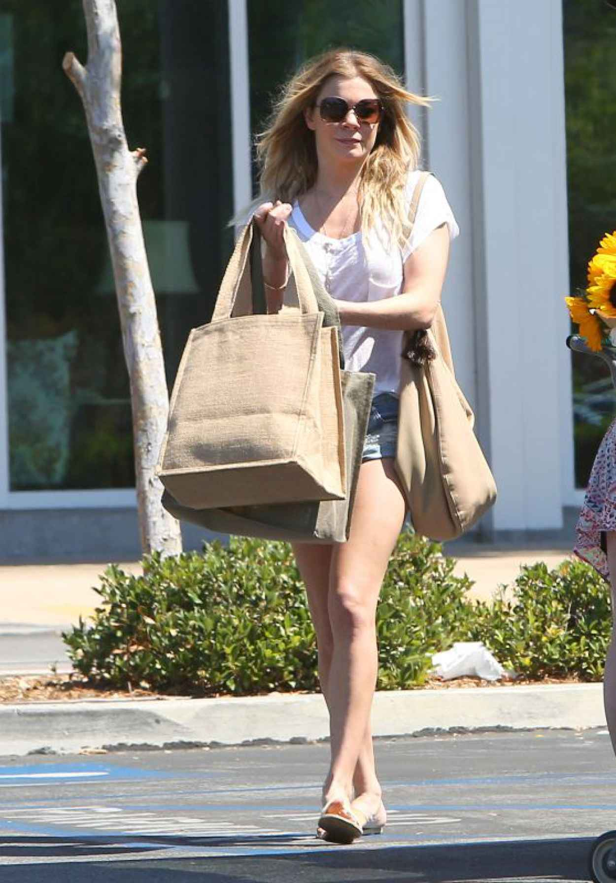 LeAnn Rimes Casual Style - Grocery Shopping in Calabasas, June 2015-1