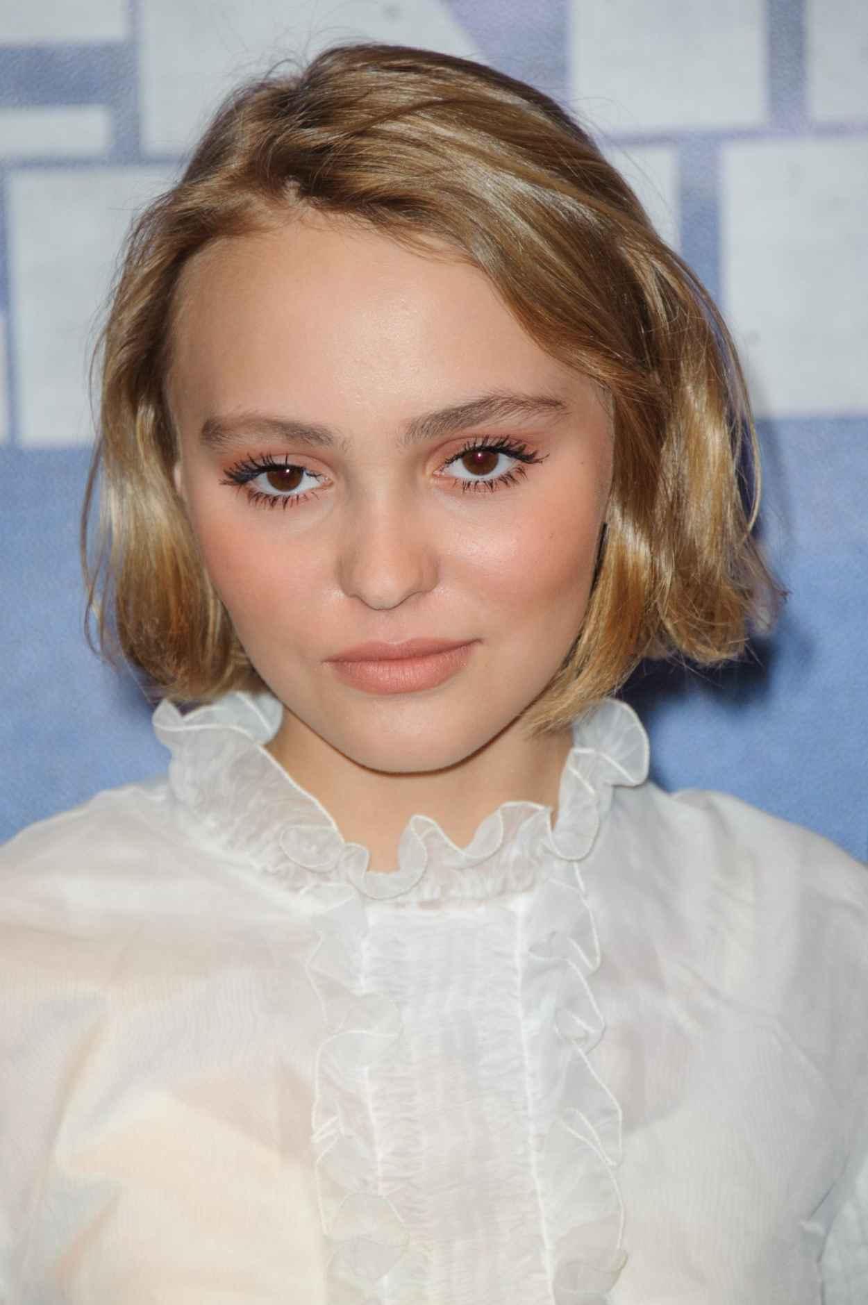 Lily-Rose Depp - Enrages Premiere in Paris-2