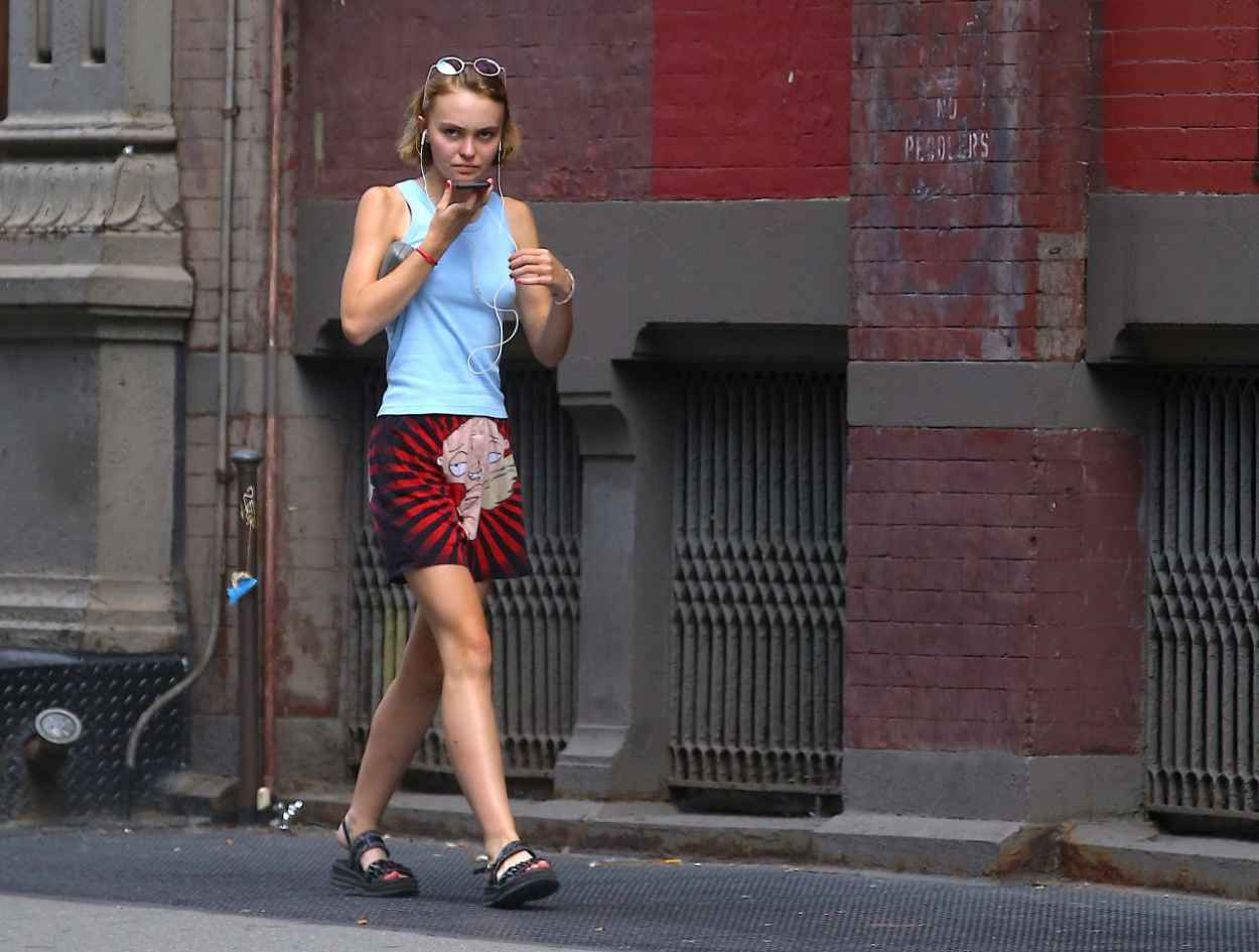 Lily-Rose Depp Out in New York City, September 2015-3