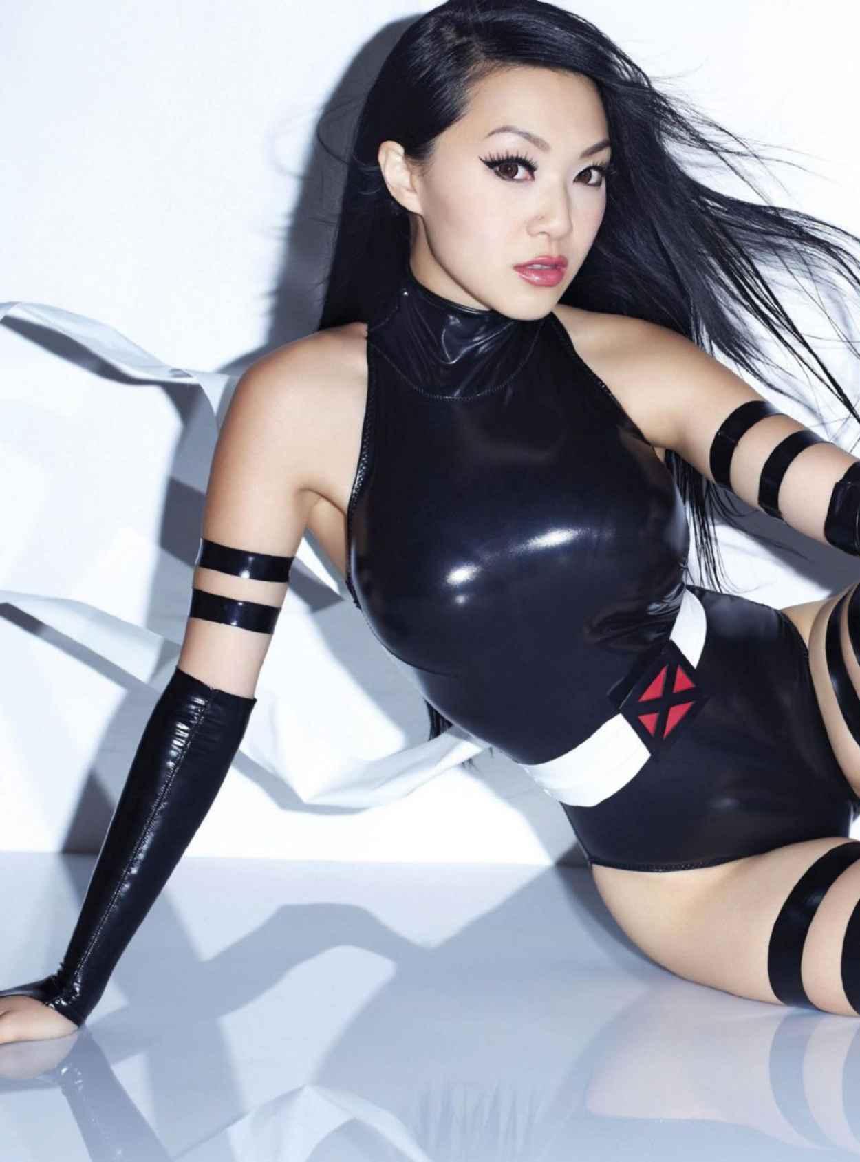 Linda Le aka Vampy Bit Me - FHM Magazine (Singapore) - December 2015 Issue-1