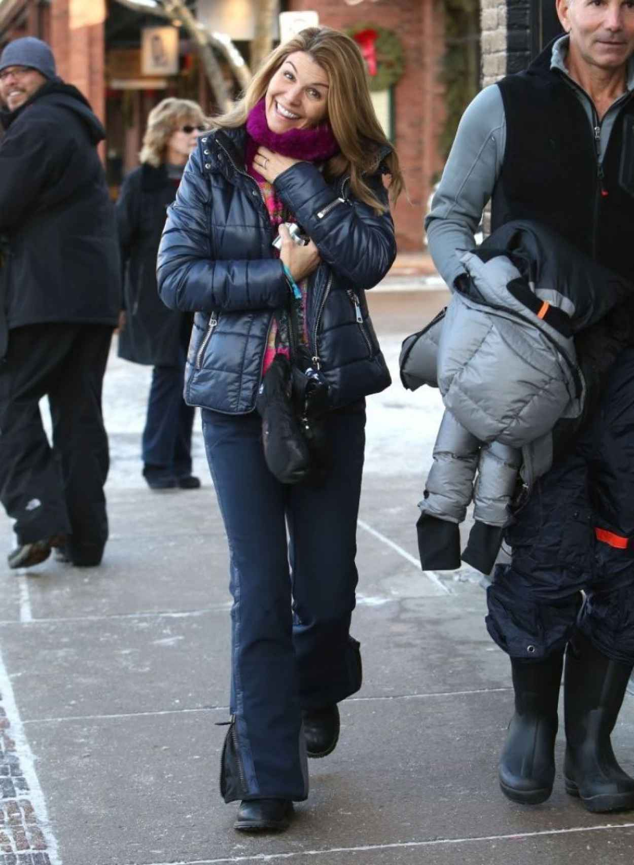 Lori Loughlin Winter Style - out in Aspen - December 2015-1