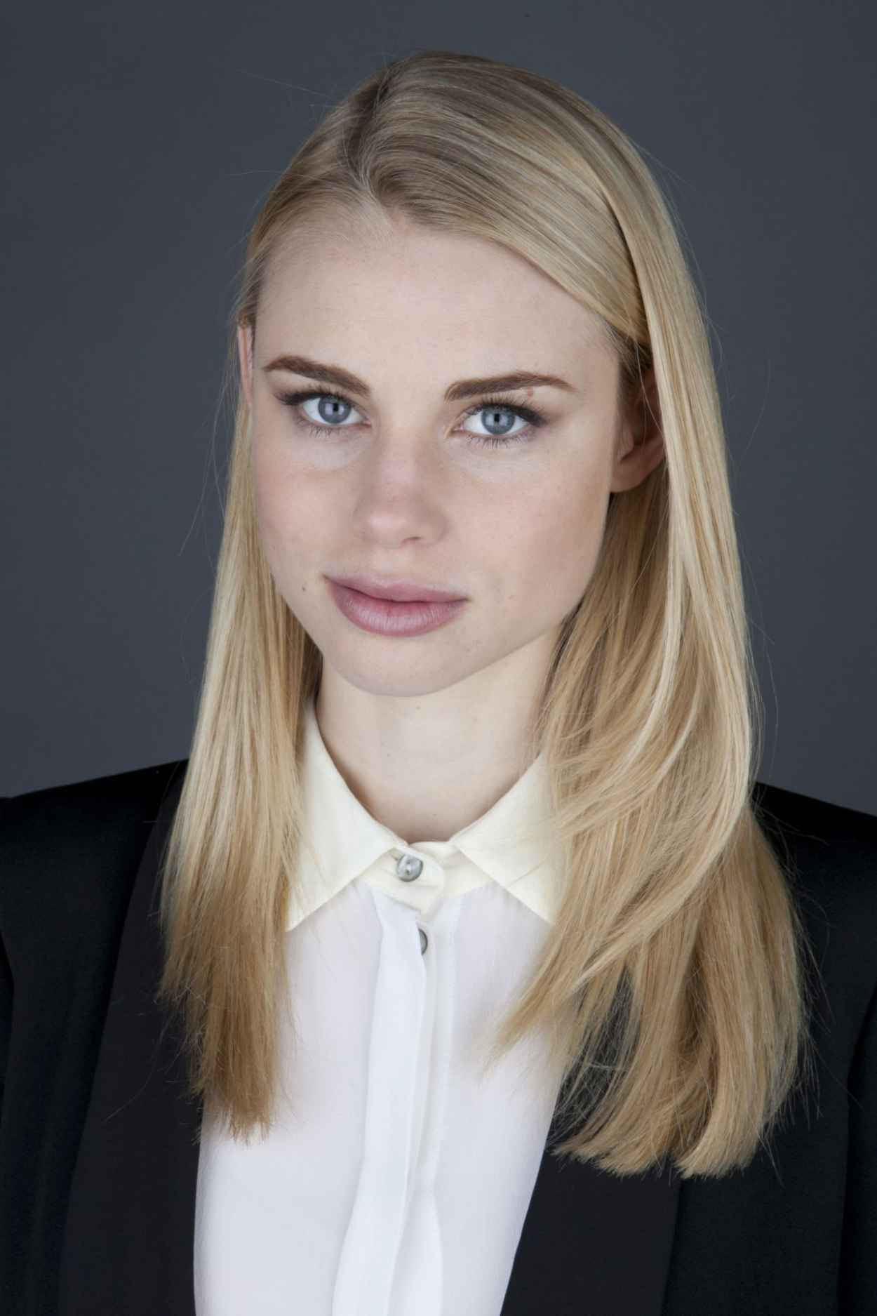 lucy fry vk